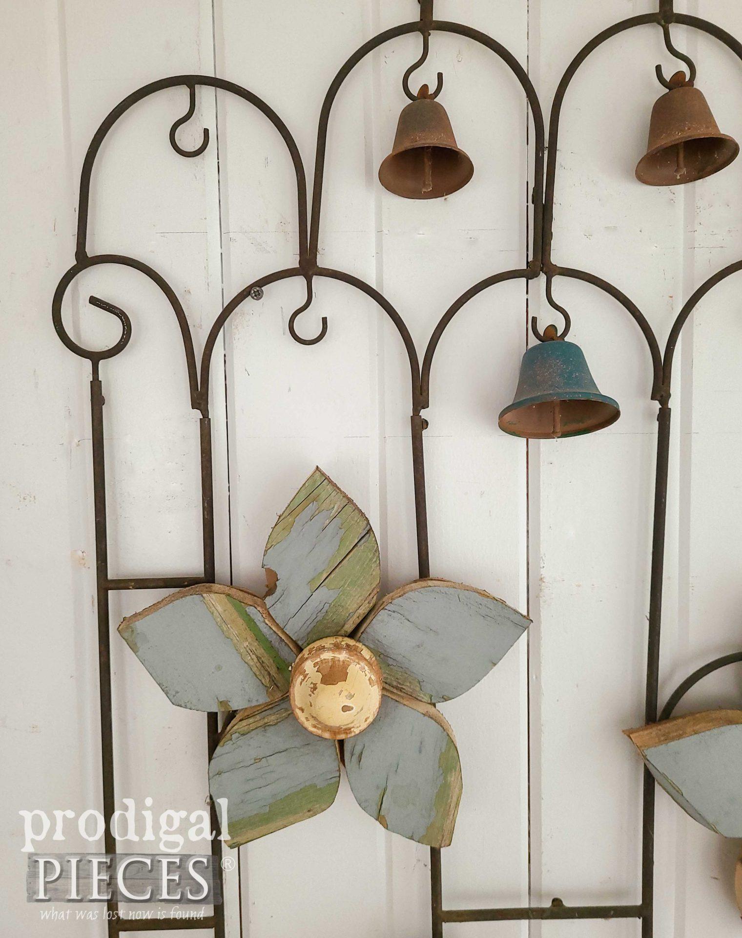 Reclaimed Wood Flower Art by Larissa of Prodigal Pieces | prodigalpieces.com #prodigalpieces #diy #reclaimed #home #homedecor