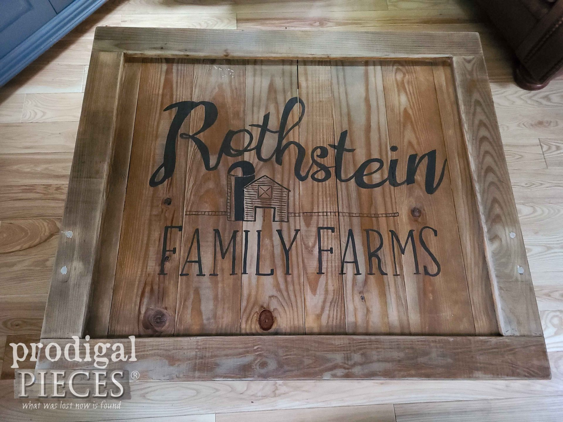 Rothstein Family Farms Typography Coffee Table by Larissa of Prodigal Pieces   prodigalpieces.com #prodigalpieces #diy #home #homedecor #farmhouse #furniture