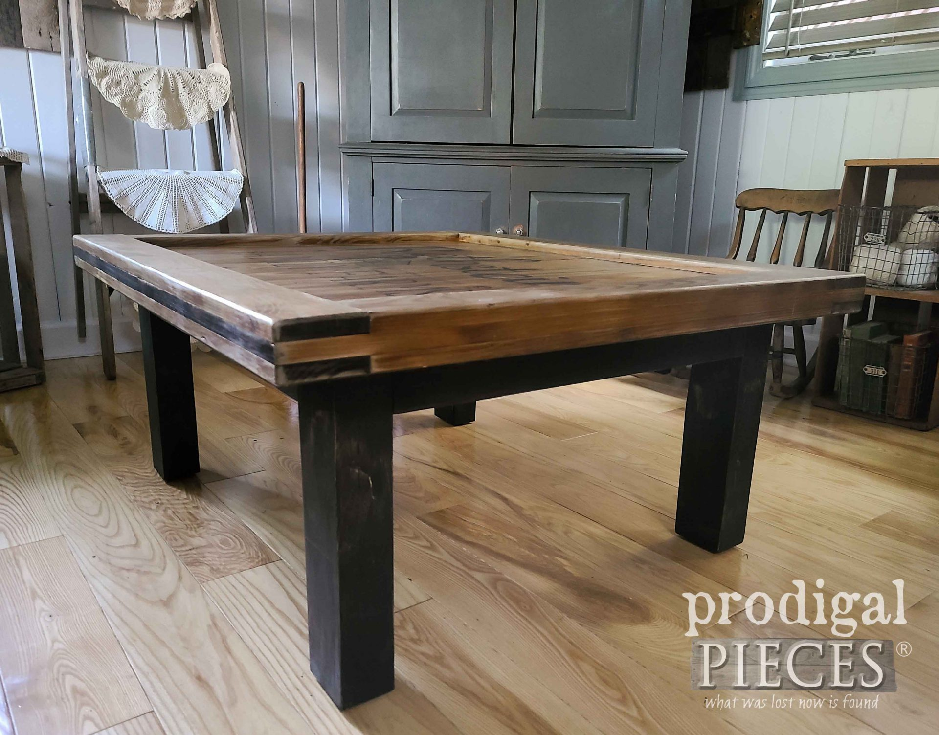 Rustic Wood Coffee Table Built by Larissa of Prodigal Pieces   prodigalpieces.com #prodigalpieces #furniture #home #homedecor #farmhouse