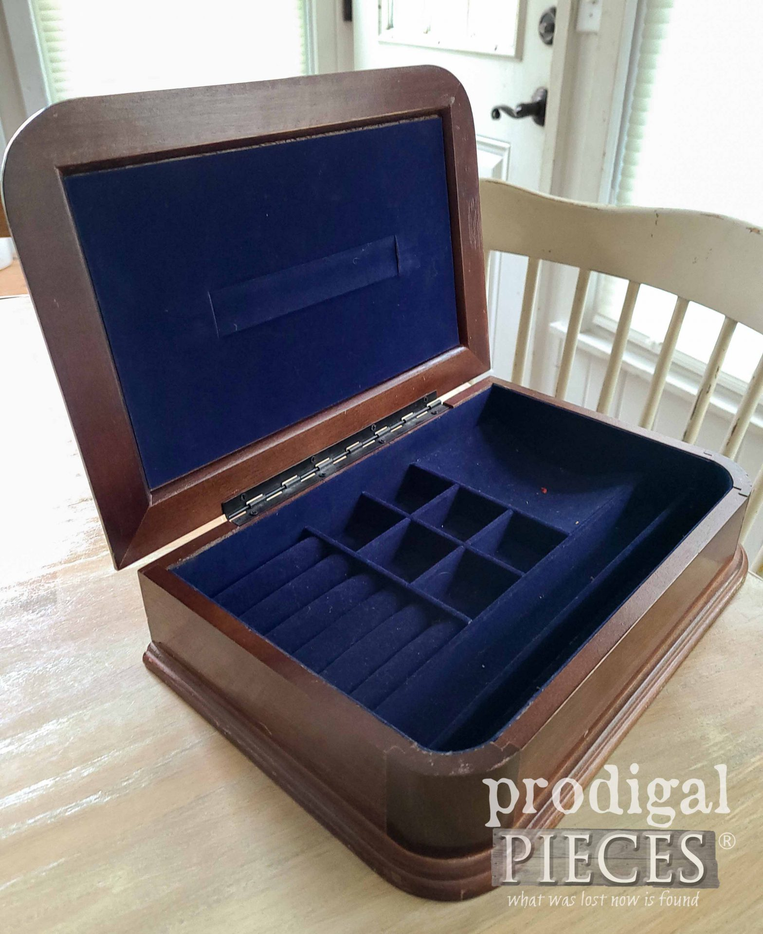 Blue Interior of Vintage Jewelry Box | prodigalpieces.com #prodigalpiecess