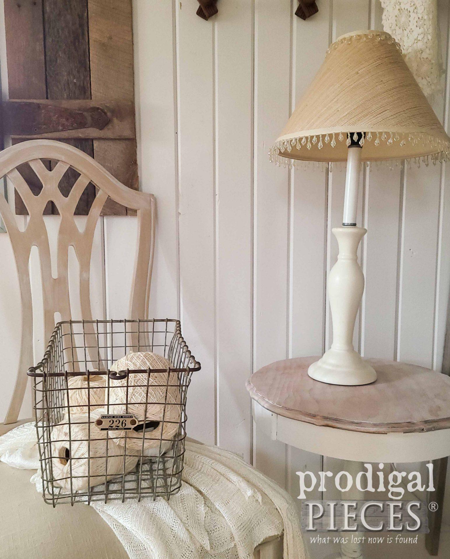 Farmhouse Style Decor by Larissa of Prodigal Pieces | prodigalpieces.com #prodigalpieces #vignette #farmhouse #vintage #home #homedecor