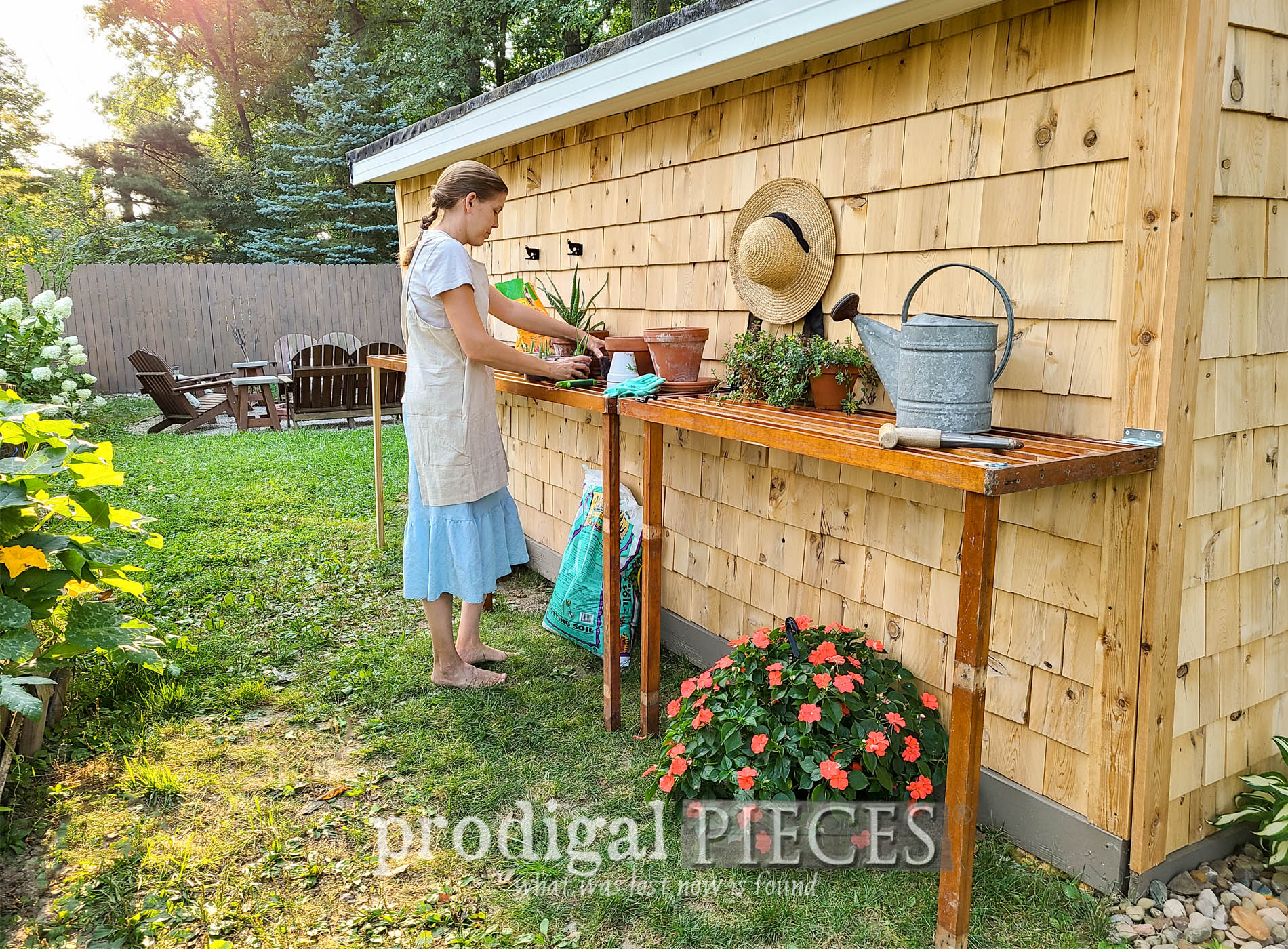 Featured DIY Folding Potting Bench for Garden by Larissa of Prodigal Pieces | prodigalpieces.com #prodigalpieces #garden #diy #home #homesteading