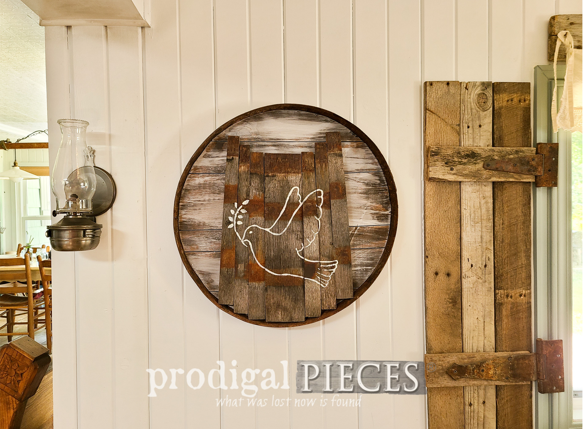 Featured Upcycled Whiskey Barrel into Home Decor by Larissa of Prodigal Pieces | prodigalpieces.com #prodigalpieces #reclaimed #diy #home #farmhouse #homedecor