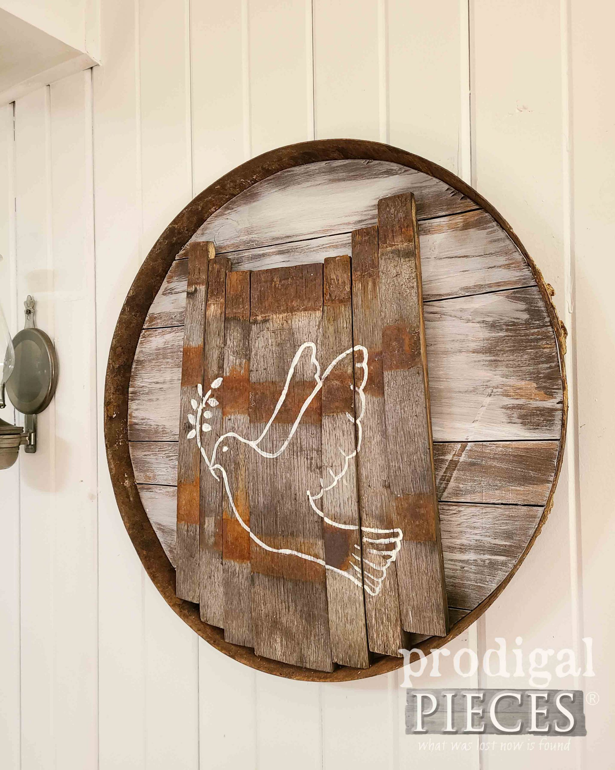 Handmade Rustic Farmhouse Art with Dove by Larissa of Prodigal Pieces | prodigalpieces.com #prodigalpieces #farmhouse #art #home #homedecor