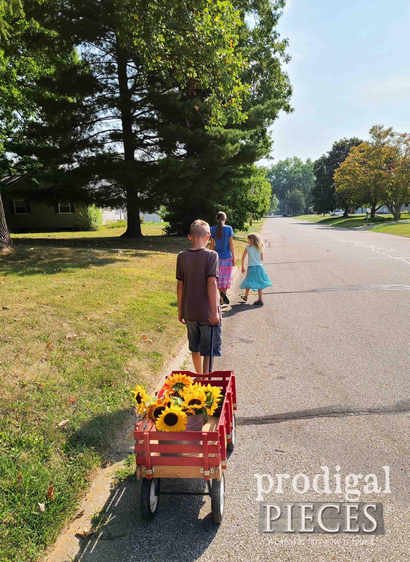 Kid Wagon with Sunflowers   prodigalpieces.com #prodigalpieces #garden