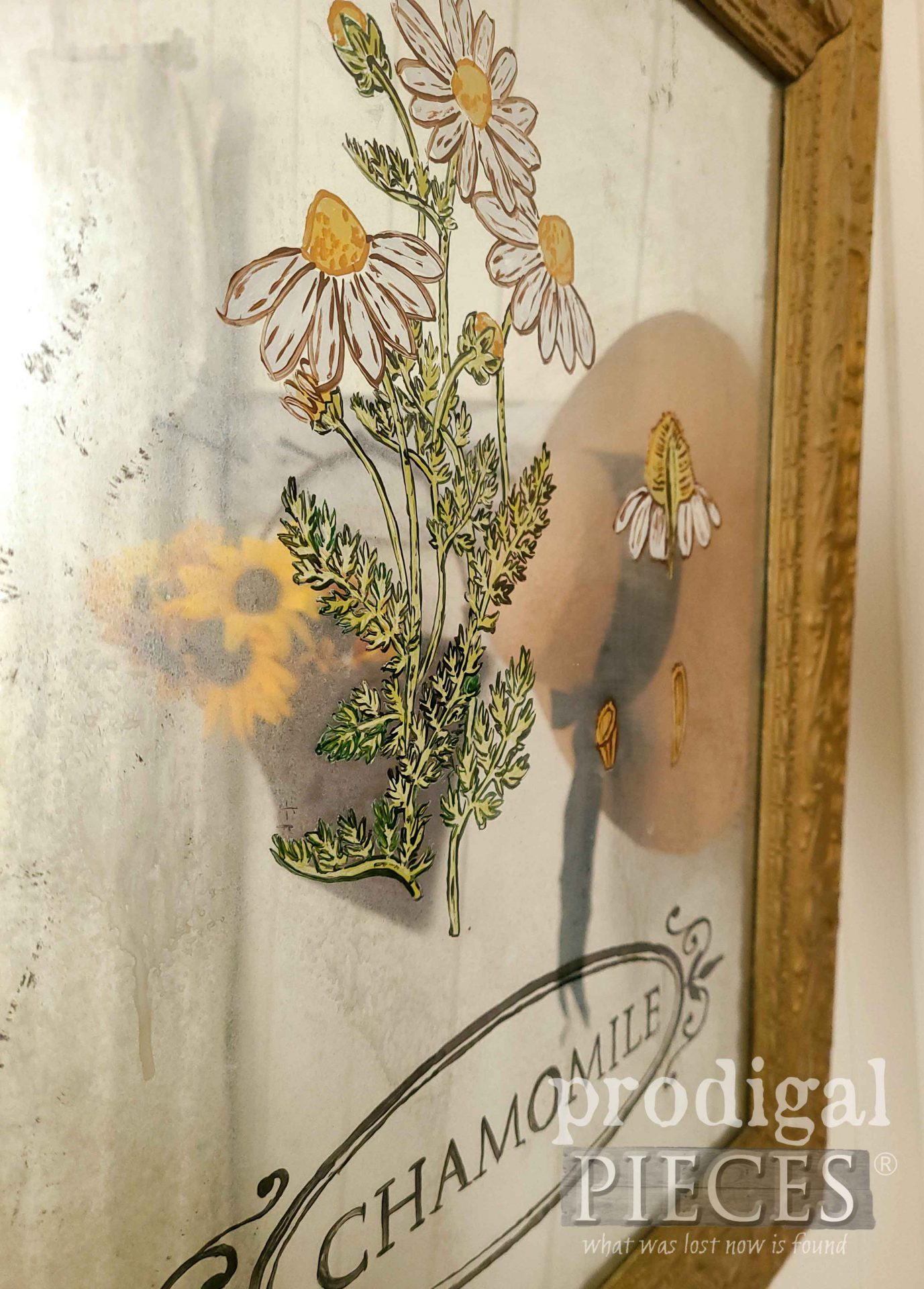 Mirror Art in Upcycled Picture Frame by Larissa of Prodigal Pieces | prodigalpieces.com #prodigalpieces #diy #mirror #home #homedecor #farmhouse #art