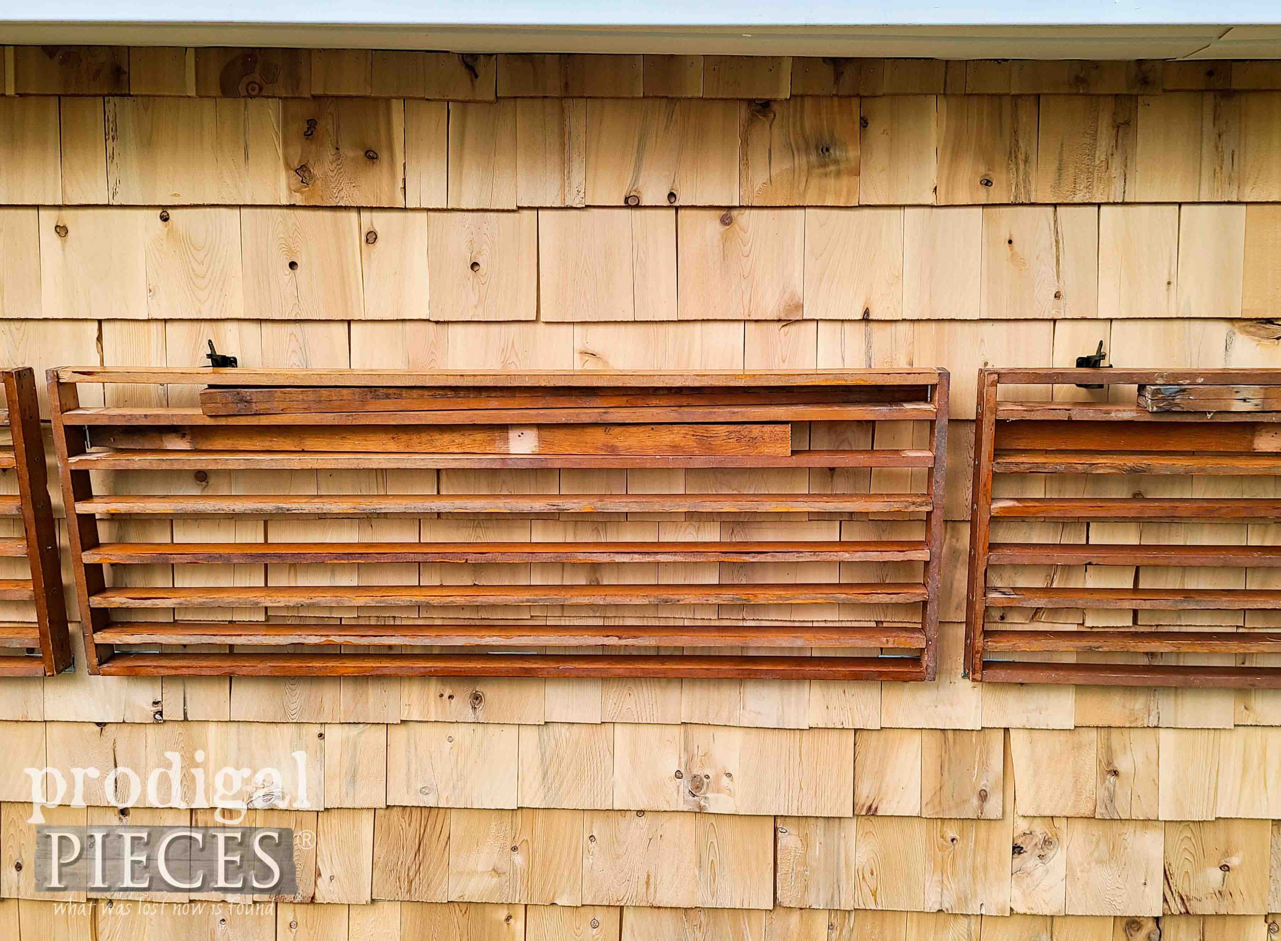 Potting Bench Folded Closed   prodigalpieces.com