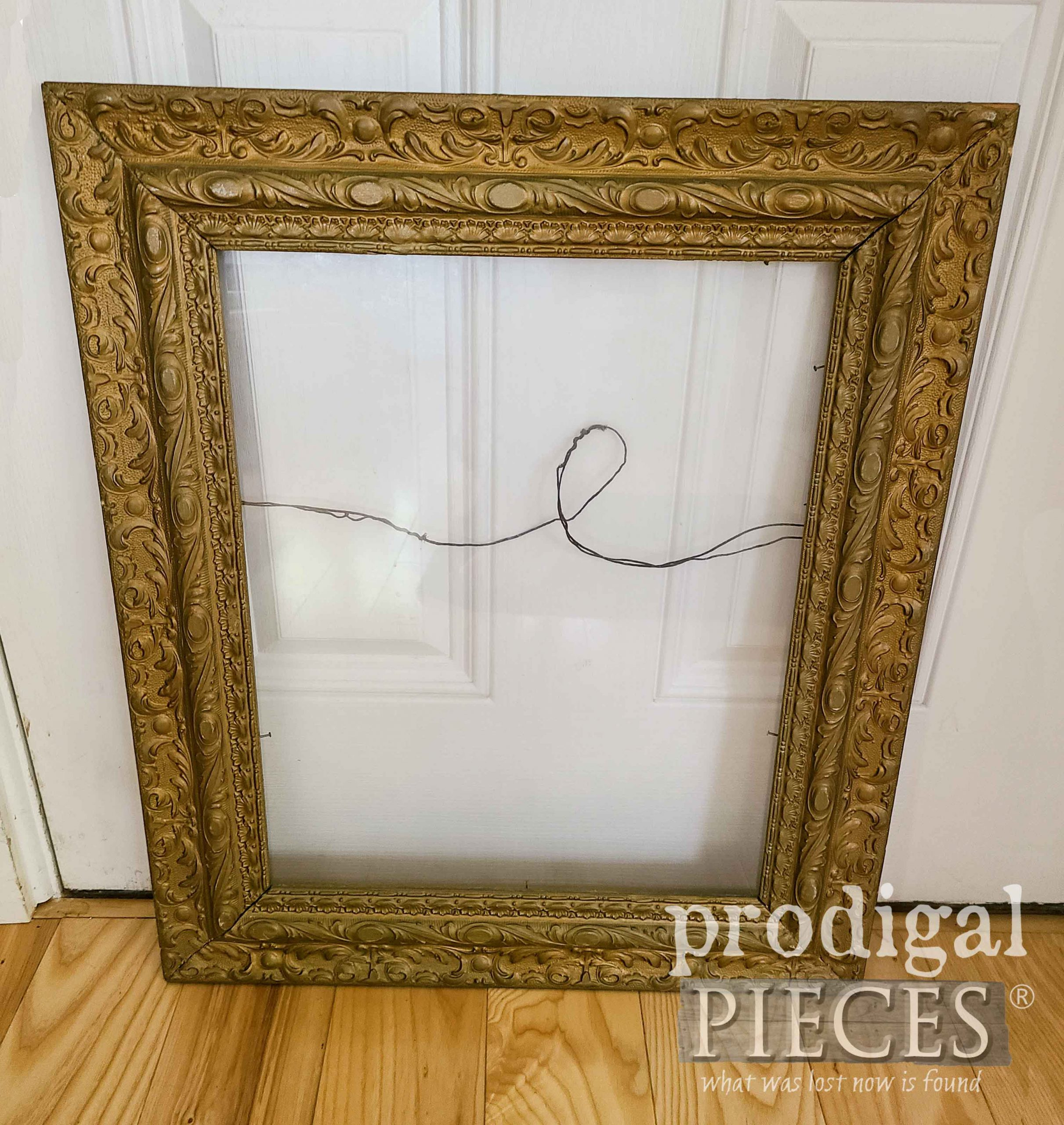 Thrifted Frame Before Upcycle into Mirror by Larissa of Prodigal Pieces | prodigalpieces.com #prodigalpieces