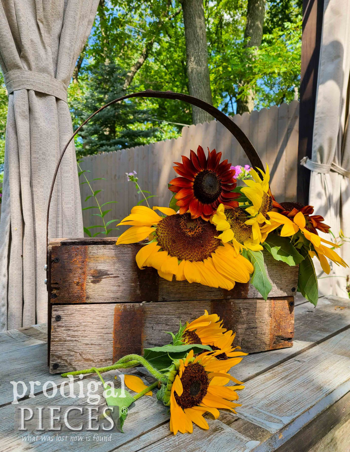 Upcycled Whiskey Barrel Tote by Larissa of Prodigal Pieces | prodigalpieces.com #prodigalpieces #handmade #home #homedecor
