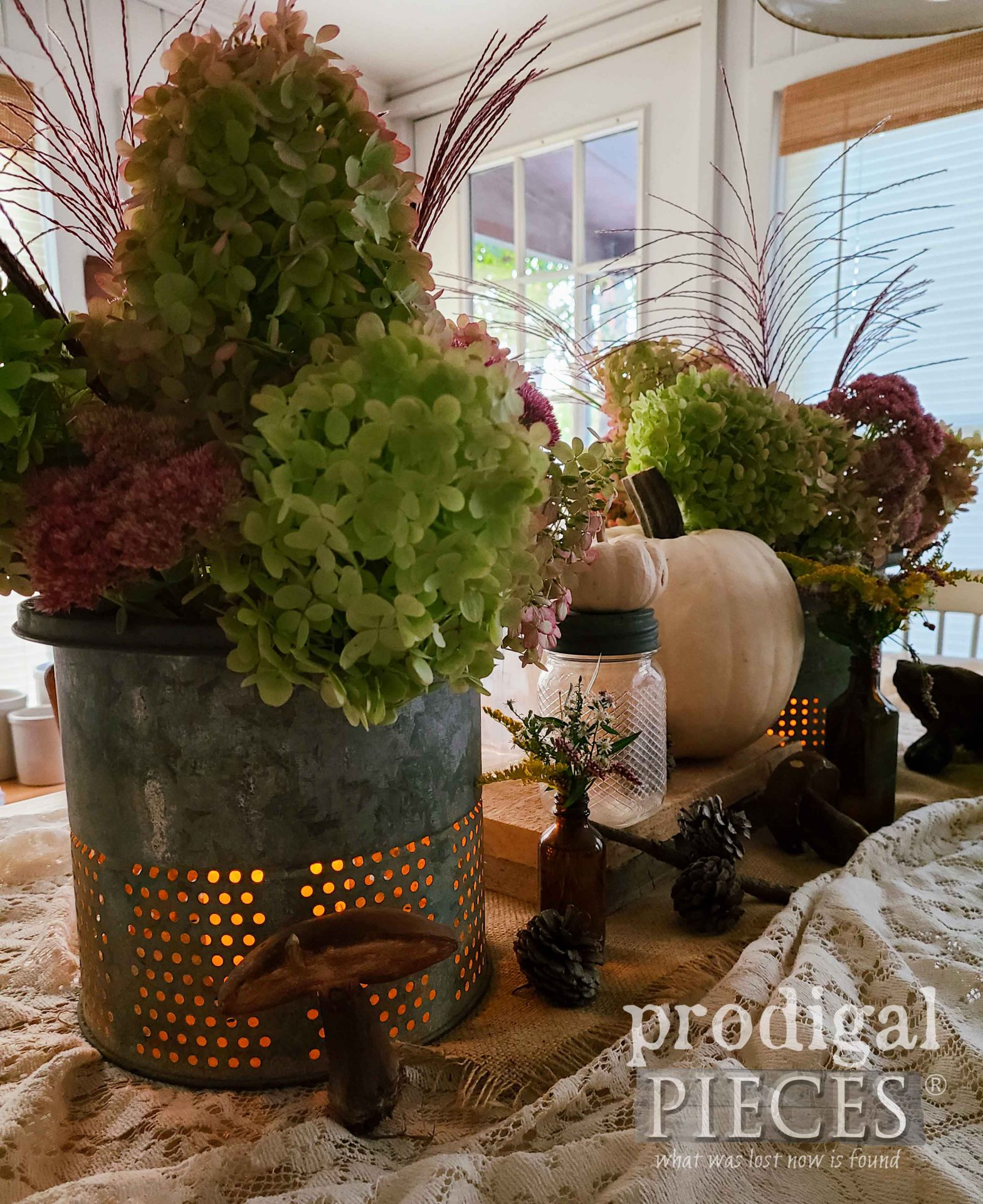 Autumn Evening Tablescape by Larissa of Prodigal Pieces | prodigalpieces.com #prodigalpieces #farmhouse #fall #diy