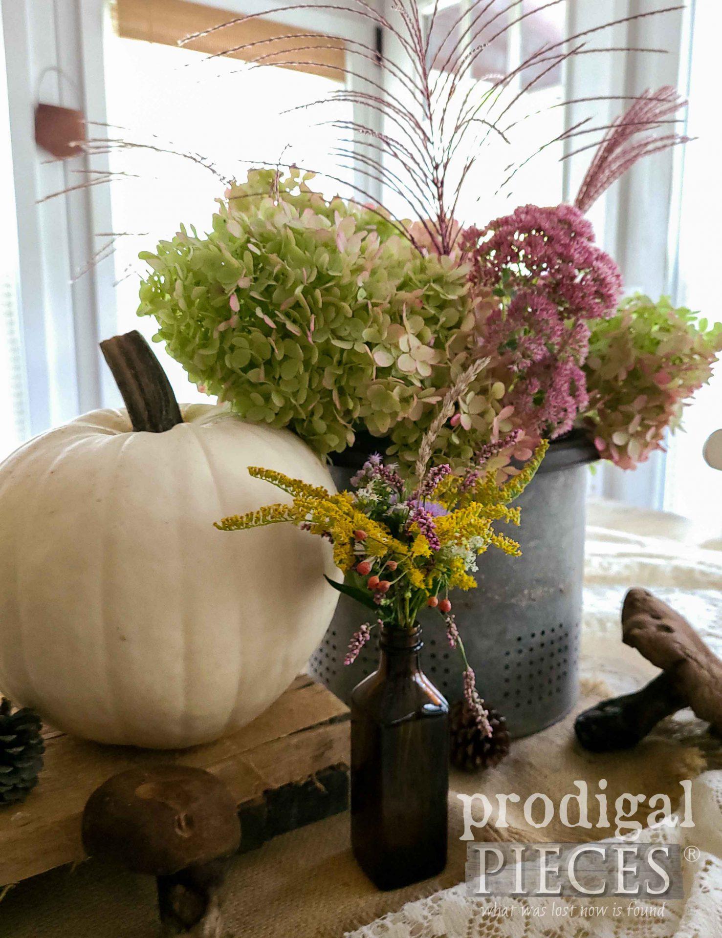 Autumn Flower Vignette for Farmhouse Decor by Larissa of Prodigal Pieces | prodigalpieces.com #prodigalpieces #fall #autumn #home #farmhouse