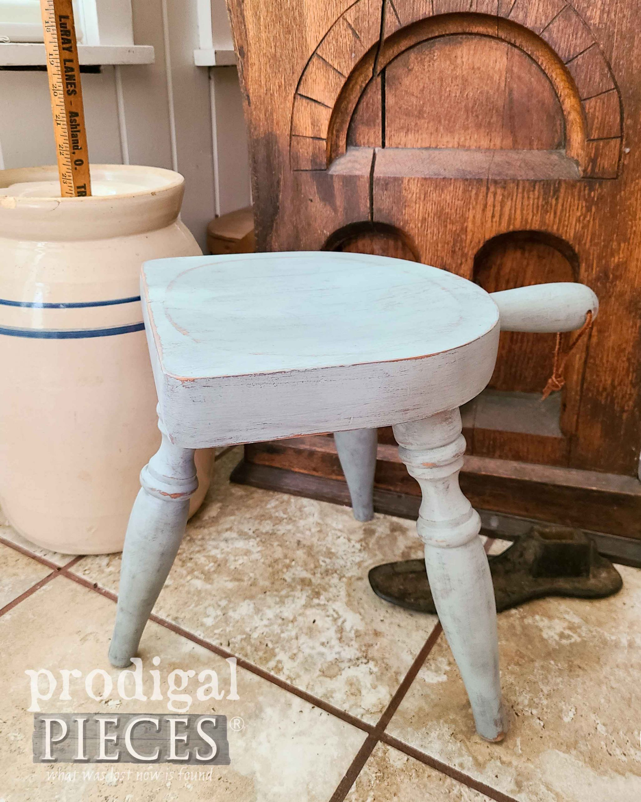 Blue Green Farmhouse Milking Stool | prodigalpieces.com #prodigalpieces #vintage #farmhouse