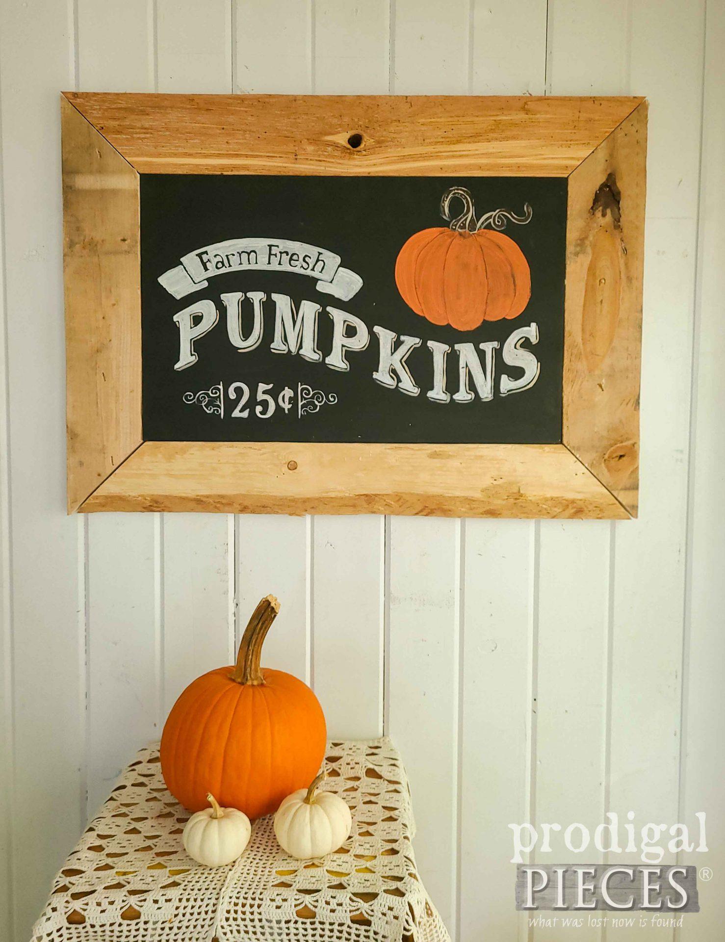 Chalkboard Style DIY Harvest Sign by Larissa of Prodigal Pieces | prodigalpieces.com #prodigalpieces #farmhouse #home #homedecor #diy