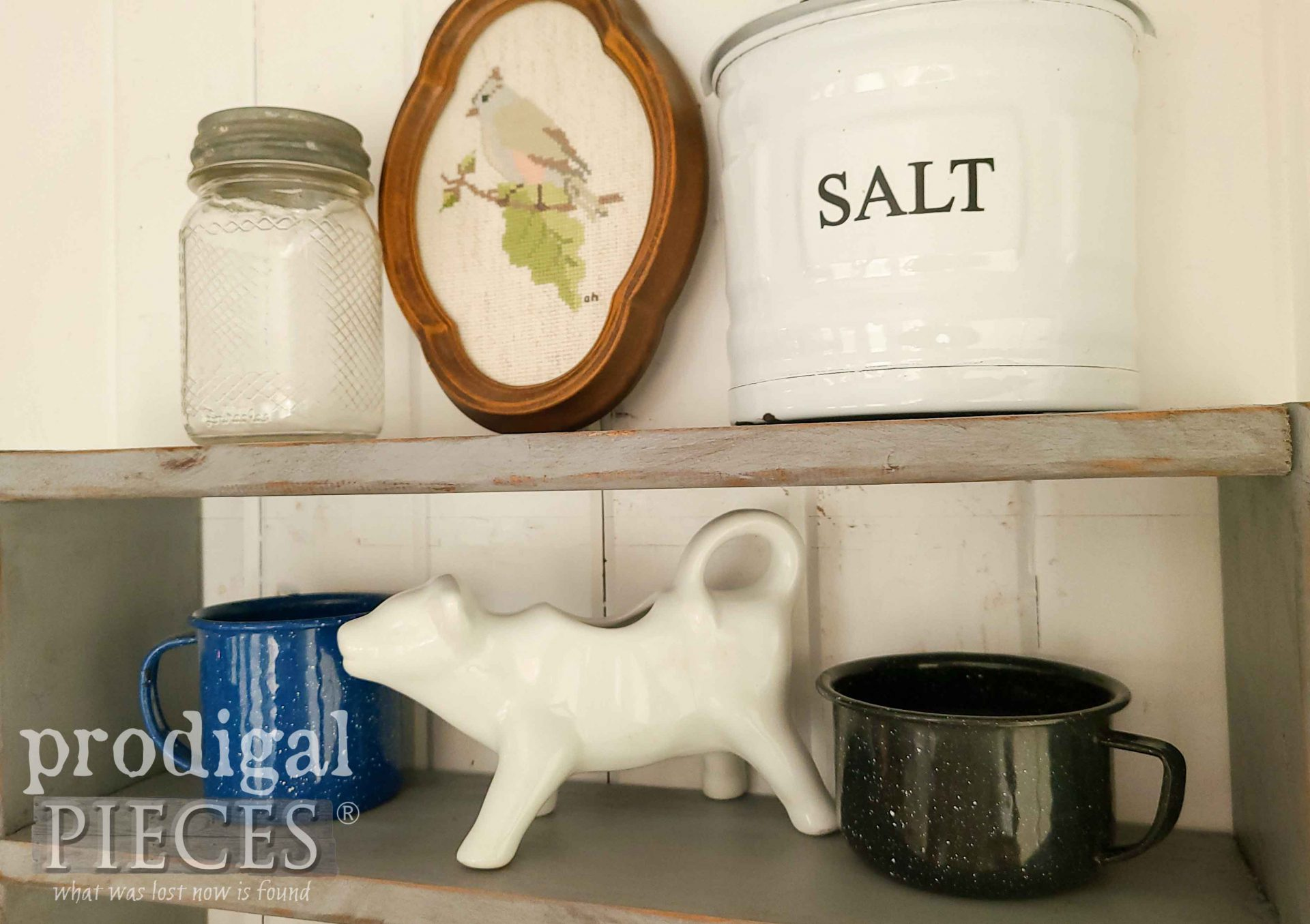 Collected Farmhouse Vignette by Larissa of Prodigal Pieces | prodigalpieces.com #prodigalpieces #farmhouse #vintage #homedecor