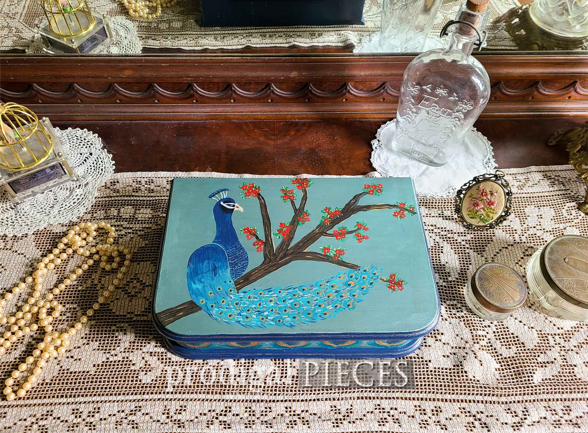 Featured Vintage Jewelry Box Makeover with Peacock Styling by Larissa of Prodigal Pieces | prodigalpieces.com #prodigalpieces #vintage #home #homedecor #handmade #peacock