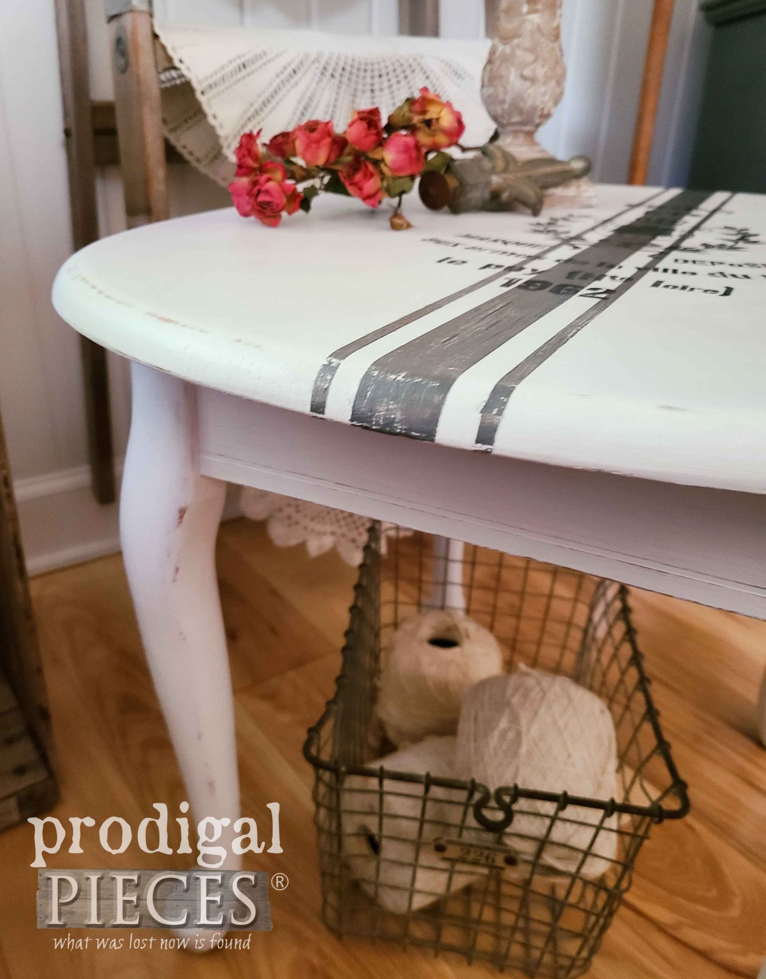 Grain Sack Painted Side Table with Vignette by Larissa of Prodigal Pieces | prodigalpieces.com #prodigalpieces #furniture #home