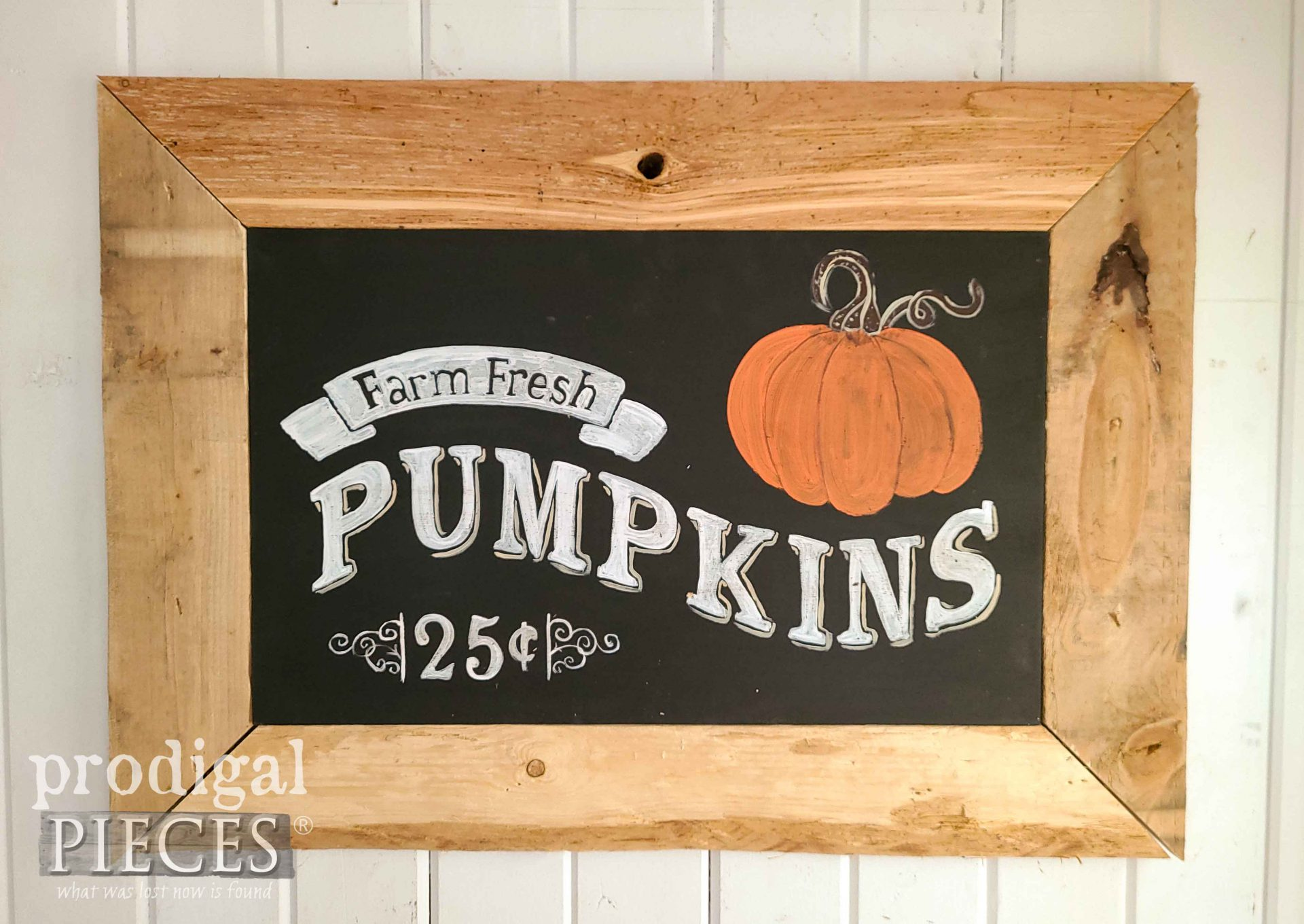 DIY Harvest Sign with Pumpkin Tutorial by Larissa of Prodigal Pieces | prodigalpieces.com #prodigalpieces #diy #farmhouse #fall #home #homedecor