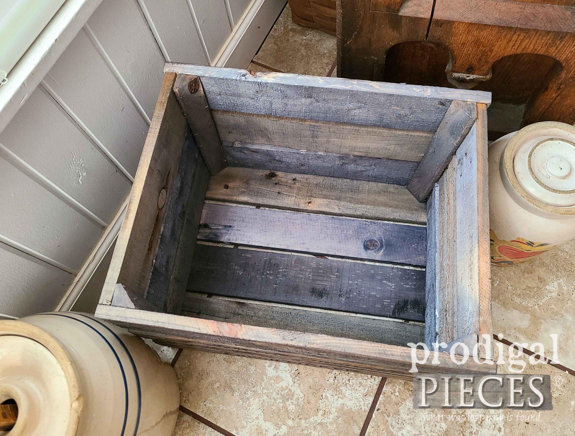 Inside Reclaimed Farmhouse Crate by Larissa of Prodigal Pieces | prodigalpieces.com #prodigalpieces #diy #farmhouse #home