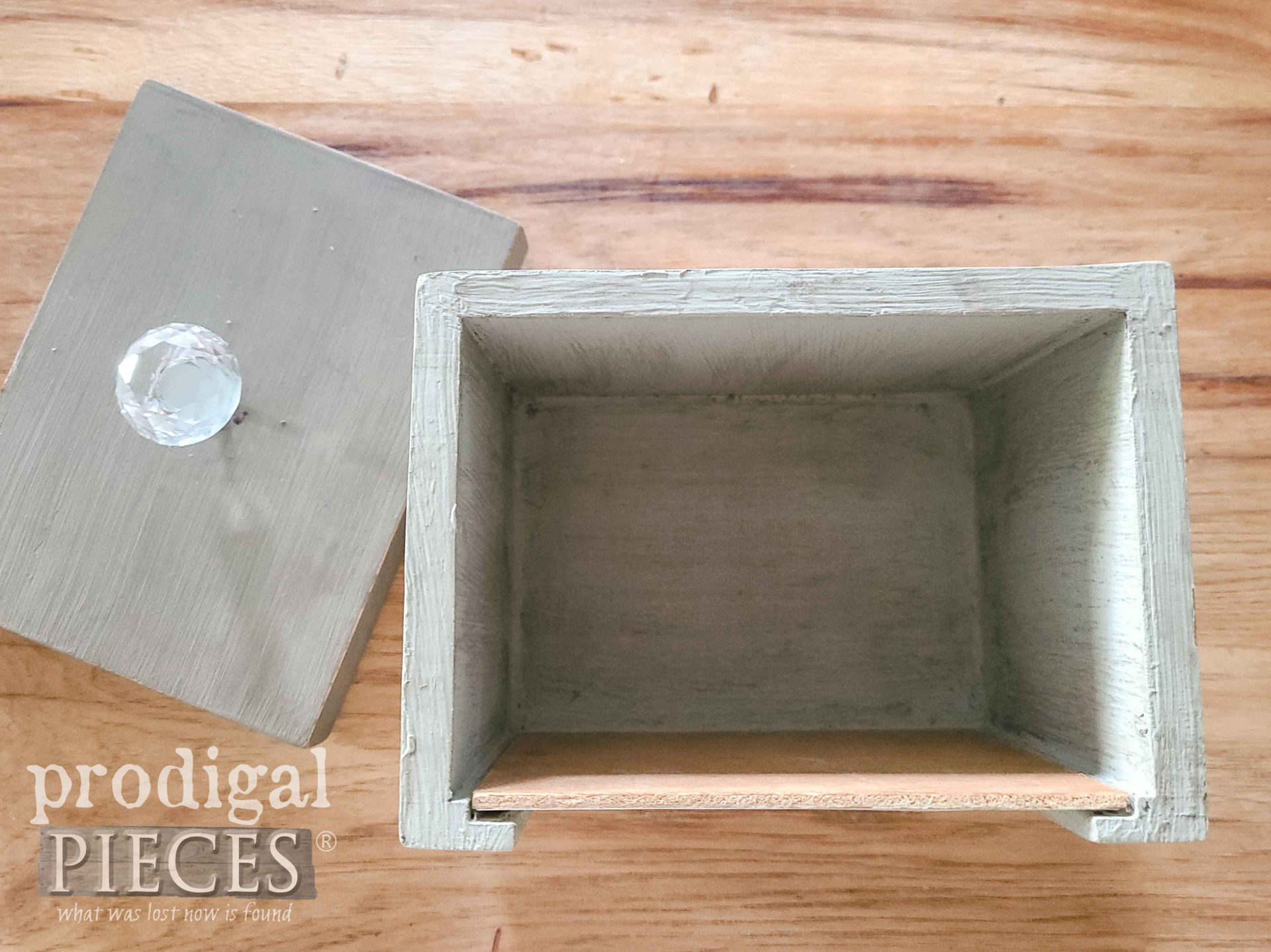 Inside Upcycled Tea Box for Farmhouse Decor | prodigalpieces.com #prodigalpieces #tea