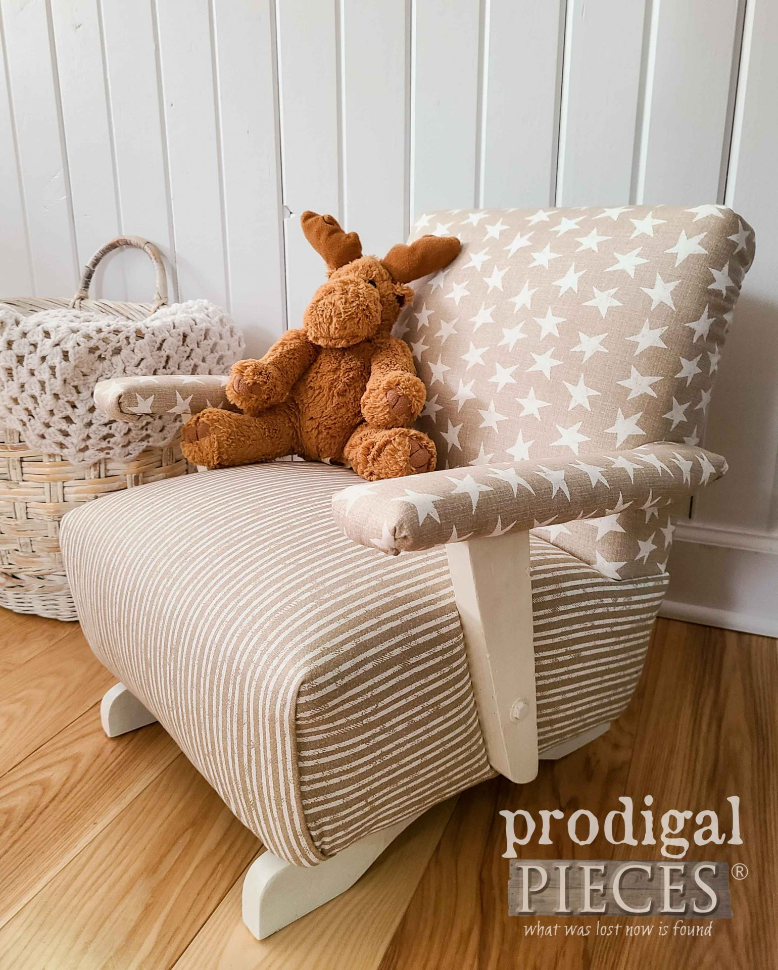 Vintage Kids Rocking Chair with Modern Farmhouse Style by Larissa of Prodigal Pieces | prodigalpieces.com #prodigalpieces #diy #furniture #home #homedecor