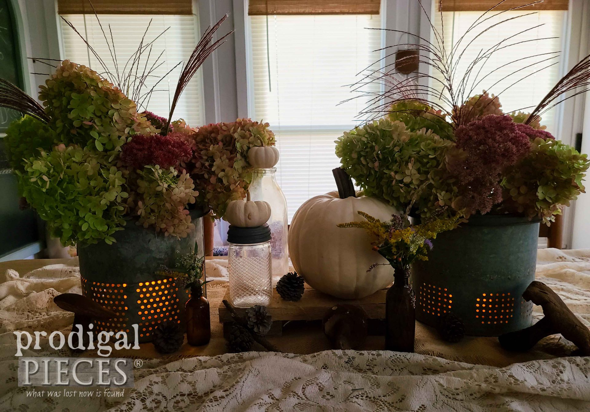 Minnow Bucket Lantern for Farmhouse Fall Tablescape by Larissa of Prodigal Pieces | prodigalpieces.com #prodigalpieces #farmhouse #upcycled #vintage #diy