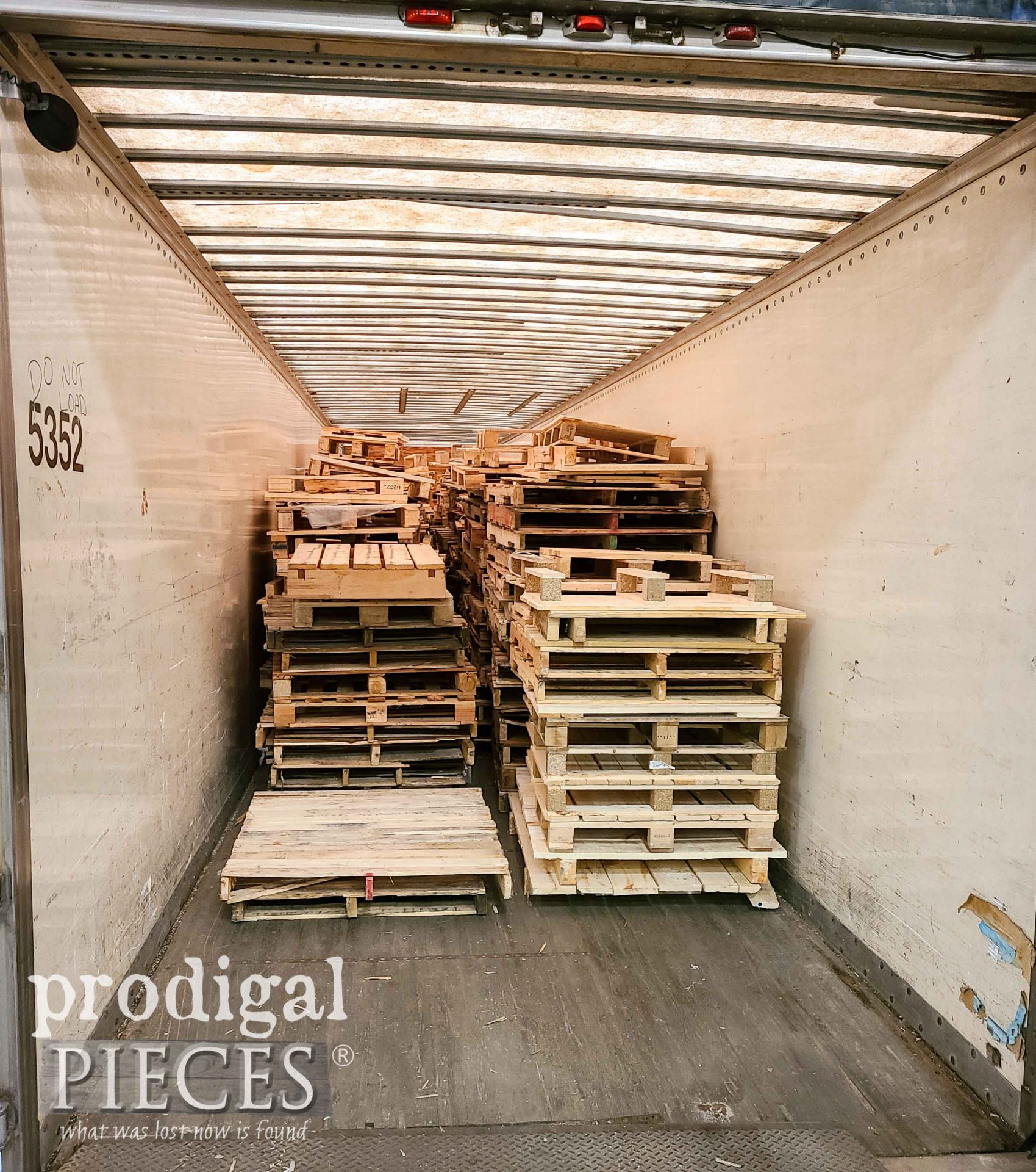 Tractor Trailer Full of Pallets | prodigalpieces.com #prodigalpieces
