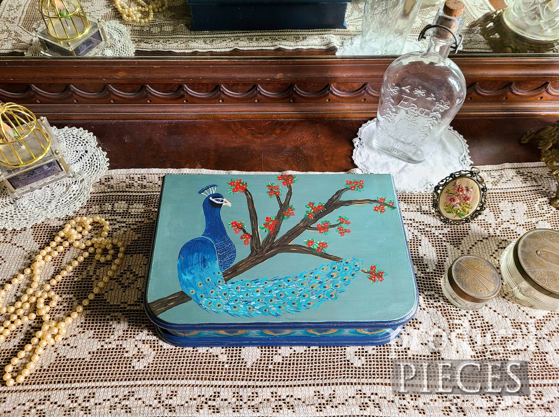 Hand-Painted Vintage Jewelry Box with Peacock Design by Larissa of Prodigal Pieces | prodigalpieces.com #prodigalpieces #diy #home #homedecor #jewelry