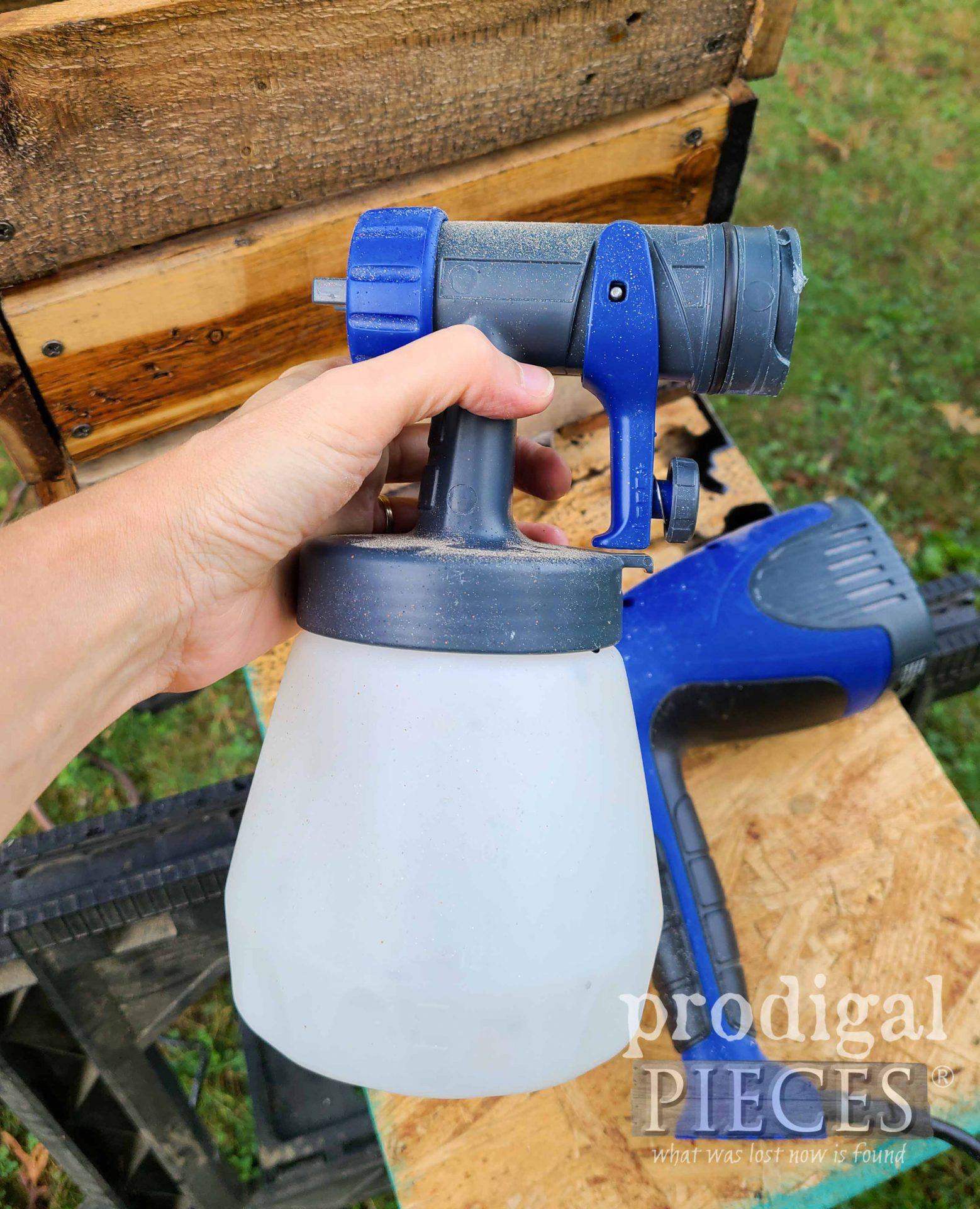 Quick Release Feature on the HomeRight Quick Finish Sprayer shown by Larissa of Prodigal Pieces | prodigalpieces.com #prodigalpieces
