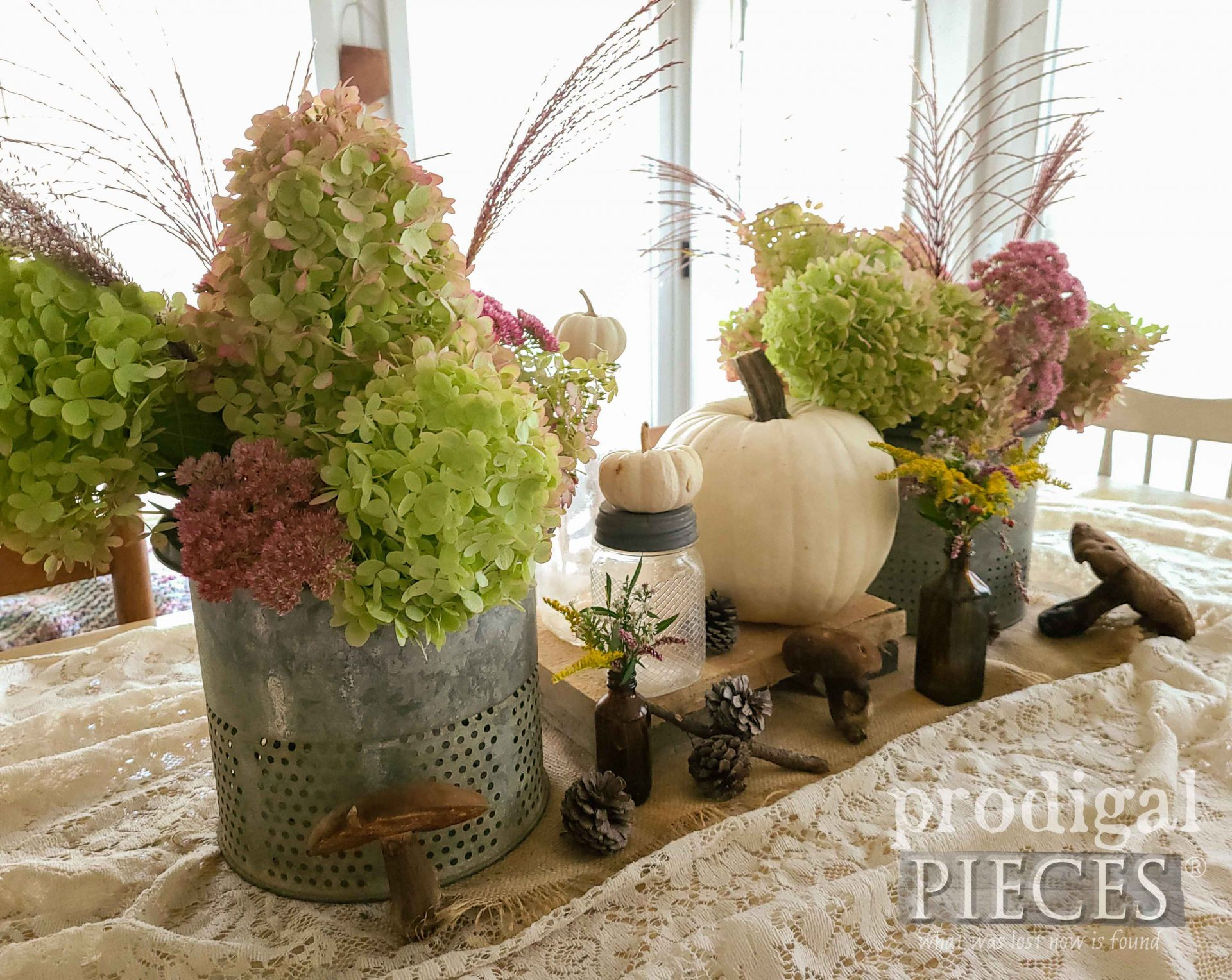 Simple Fall Tablescape without Box Store Decor by Larissa of Prodigal Pieces | prodigalpieces.com #prodigalpieces #fall #farmhouse #tablescape