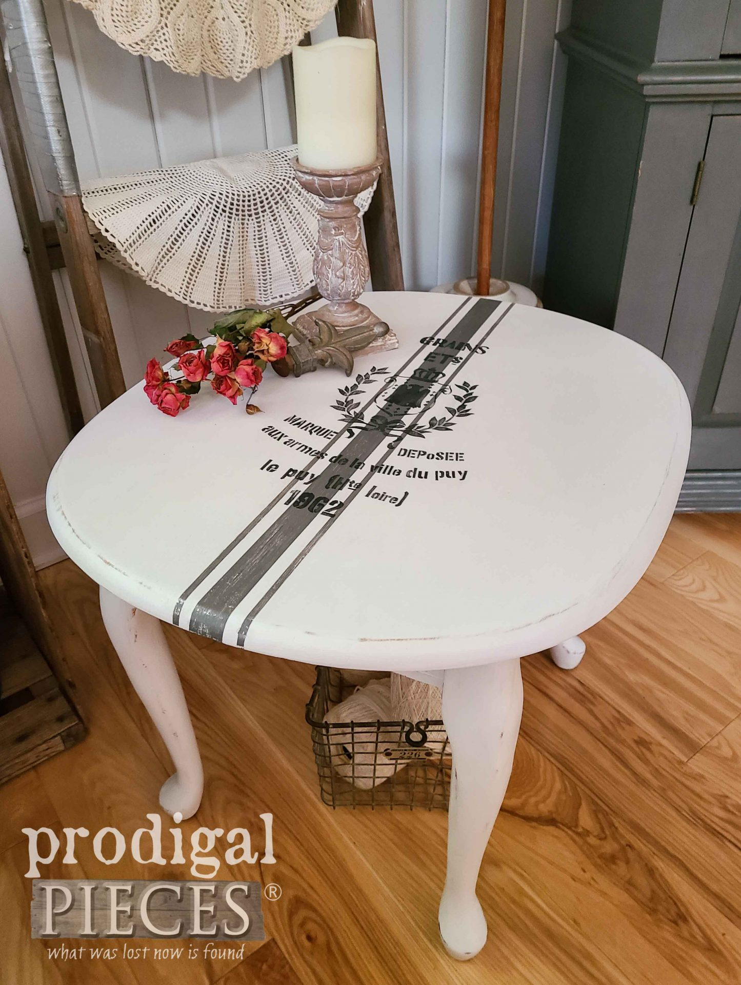 Vintage Painted Side Table Update in French Farmhouse Style by Larissa of Prodigal Pieces | prodigalpieces.com #prodigalpieces #furniture #home #homedecor