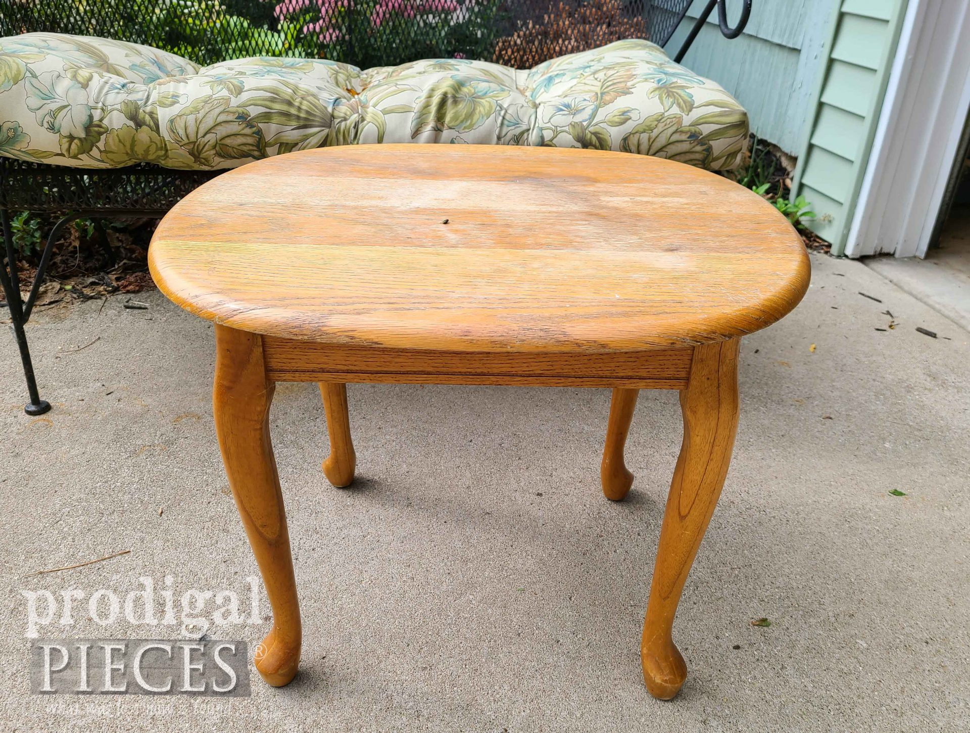 Vintage Oak Table Before Makeover by Prodigal Pieces | prodigalpieces.com