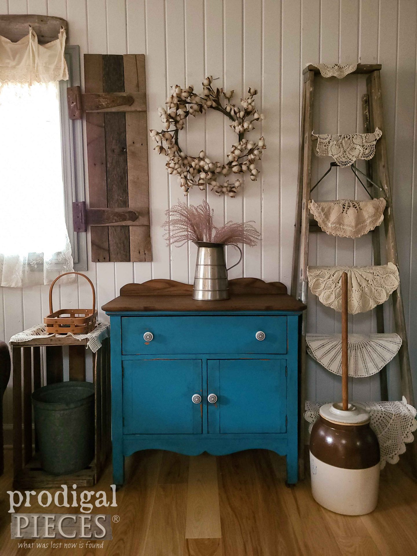 Antique Farmhouse Wash Stand with Updated Style by Larissa of Prodigal Pieces | prodigalpieces.com #prodigalpieces #farmhouse #diy #furniture #home #homedecor