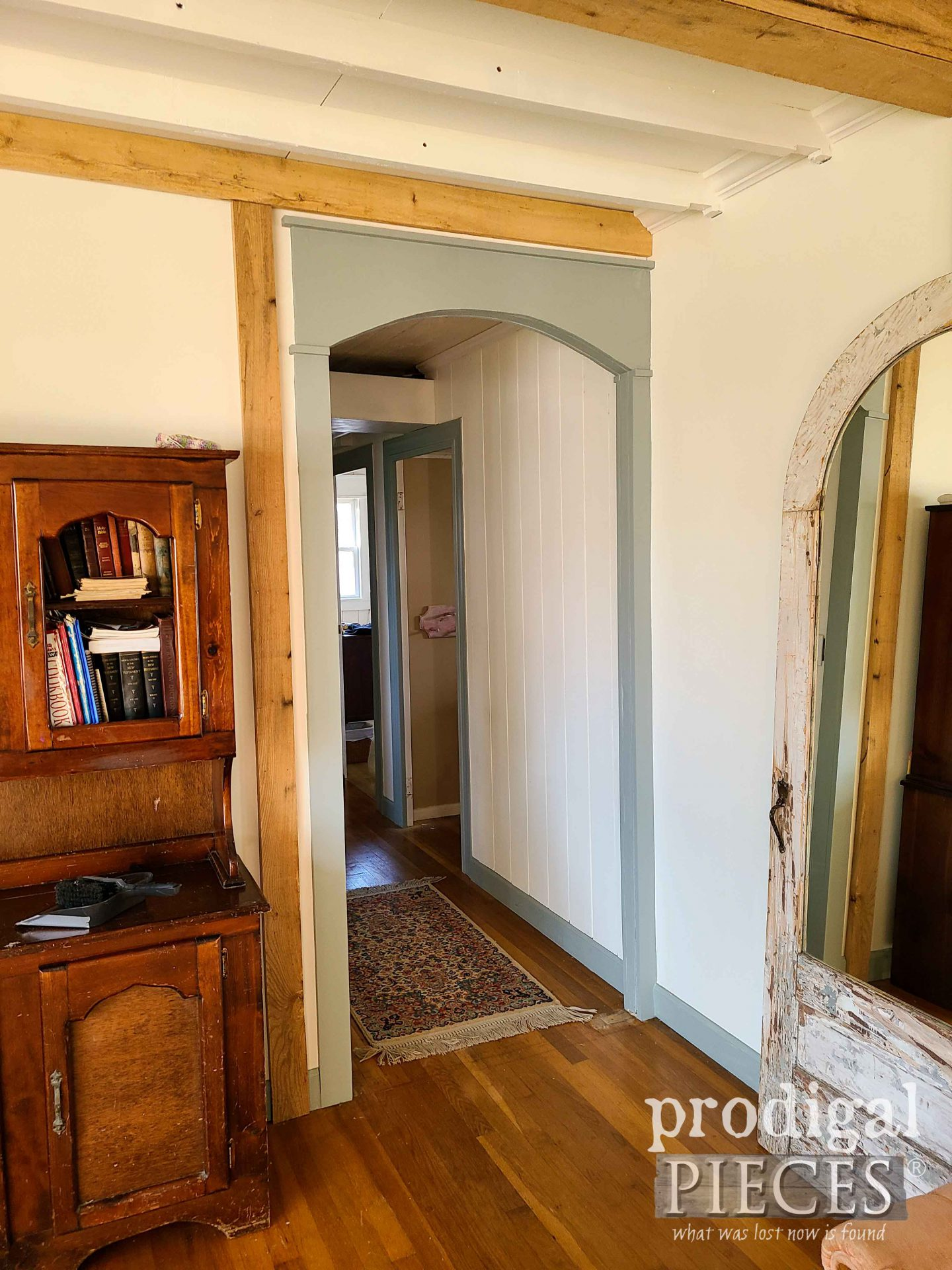 DIY Arched Living Room Doorway by Larissa of Prodigal Pieces | prodigalpieces.com #prodigalpieces #farmhouse #home #diy