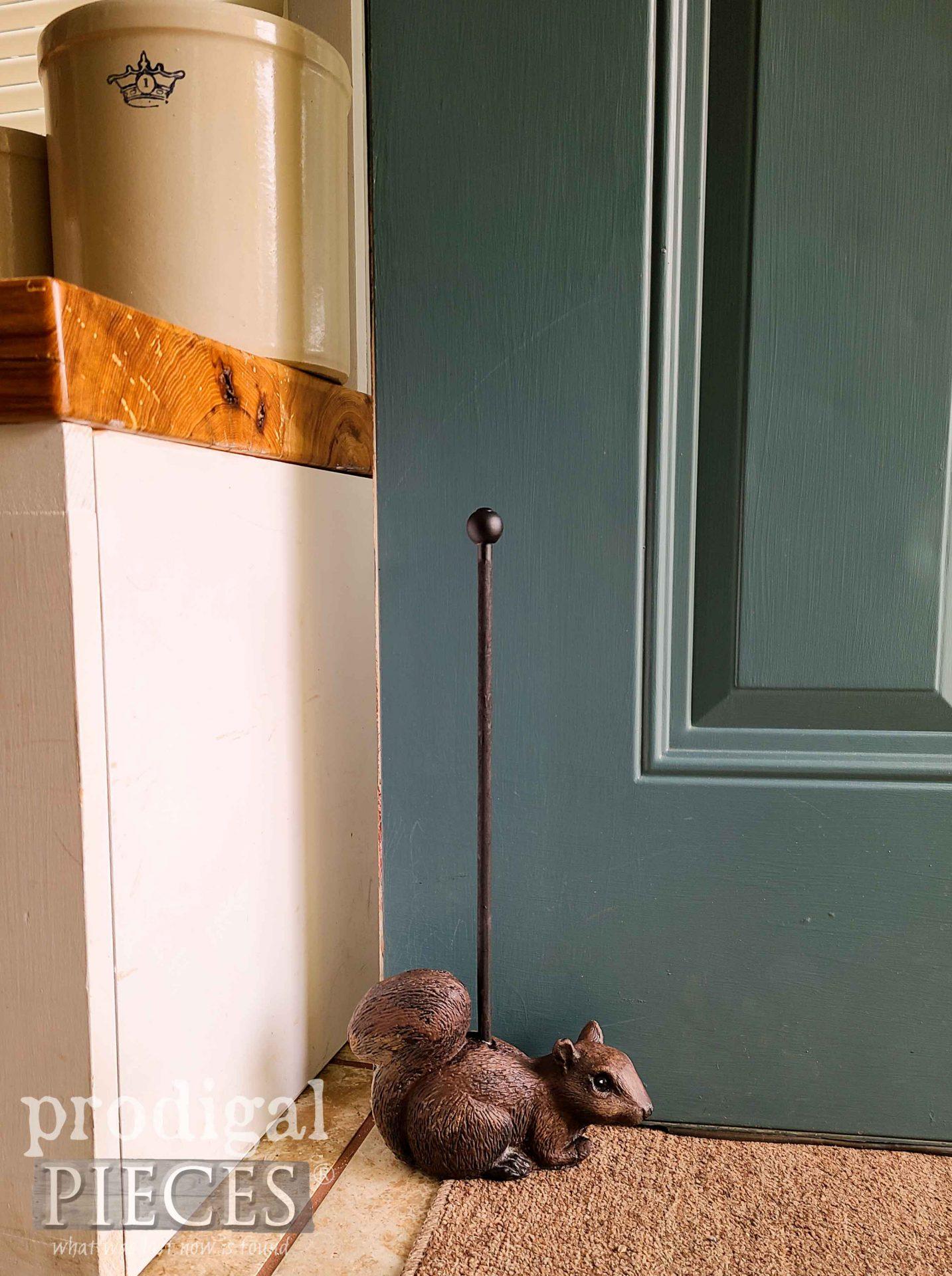 Concrete Squirrel Doorstop made by Larissa of Prodigal Pieces | prodigalpieces.com #prodigalpieces #diy #handmade #home #homedecor