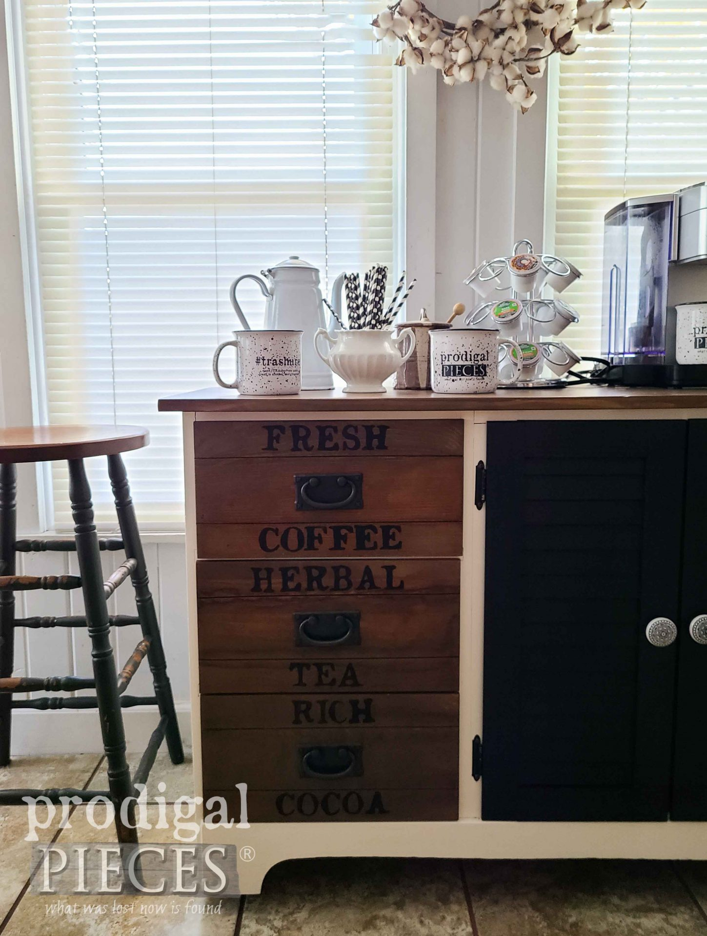 Rustic Crate Coffee Bar Upcycle by Larissa of Prodigal Pieces | prodigalpieces.com #prodigalpieces #coffee #kitchen #home #homedecor #farmhoue