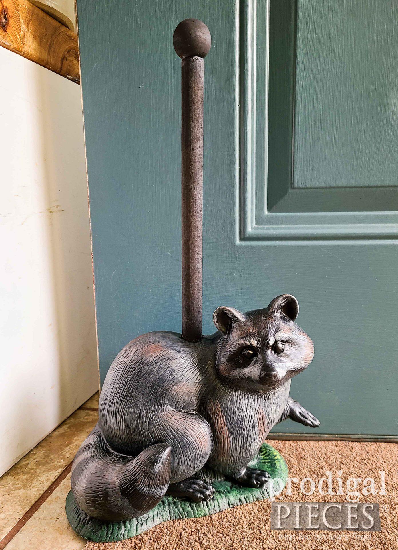 DIY Raccoon Upcycled Doorstop by Larissa of Prodigal Pieces | prodigalpieces.com #prodigalpieces #home #diy #farmhouse