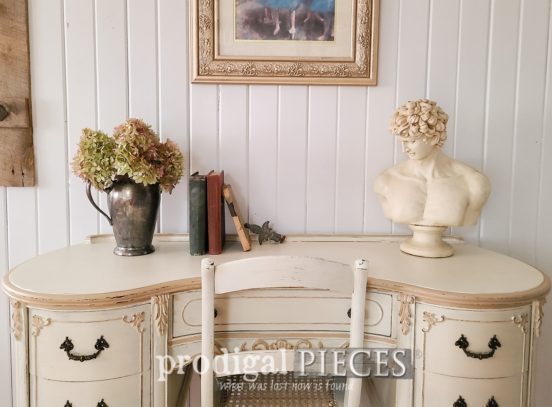 Featured French Provincial Kidney Desk Makeover by Larissa of Prodigal Pieces | prodigalpieces.com #prodigalpieces #vintage #furniture #hollywoodregency #frenchprovincial #diy #shabbychic