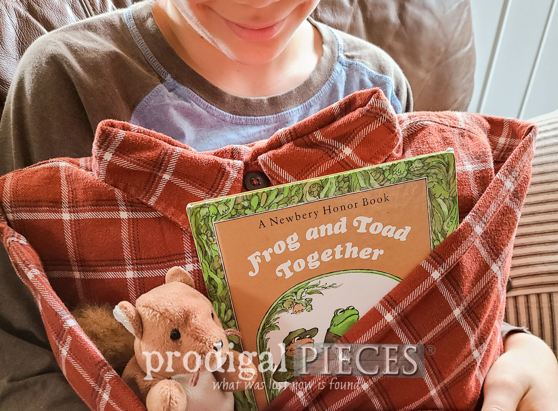 Featured Upcycled Shirt Pocket Pillow for Gifts ~ Tutorial by Larissa of Prodigal Pieces   prodigalpieces.com #prodigalpieces #sewing #giftideas #upcycled #refashion