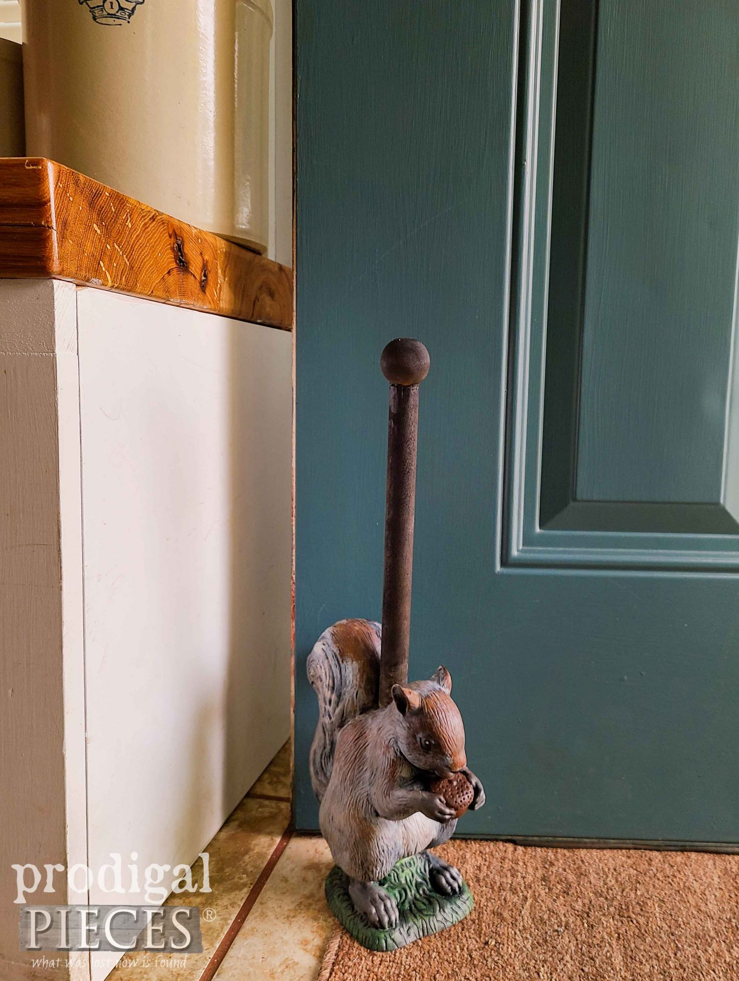 Gray Squirrel Doorstop by Larissa of Prodigal Pieces | prodigalpieces.com #prodigalpieces #handmade #home #homedecor #farmhouse