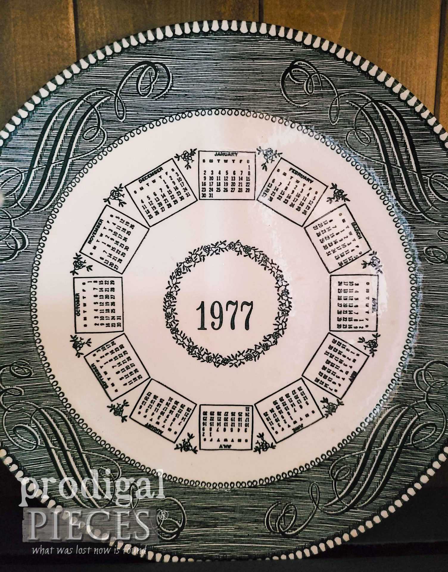 Currier & Ives Dinner Plate 1977 | prodigalpieces.com #prodigalpieces #currierives #vintage #antique #dinnerware