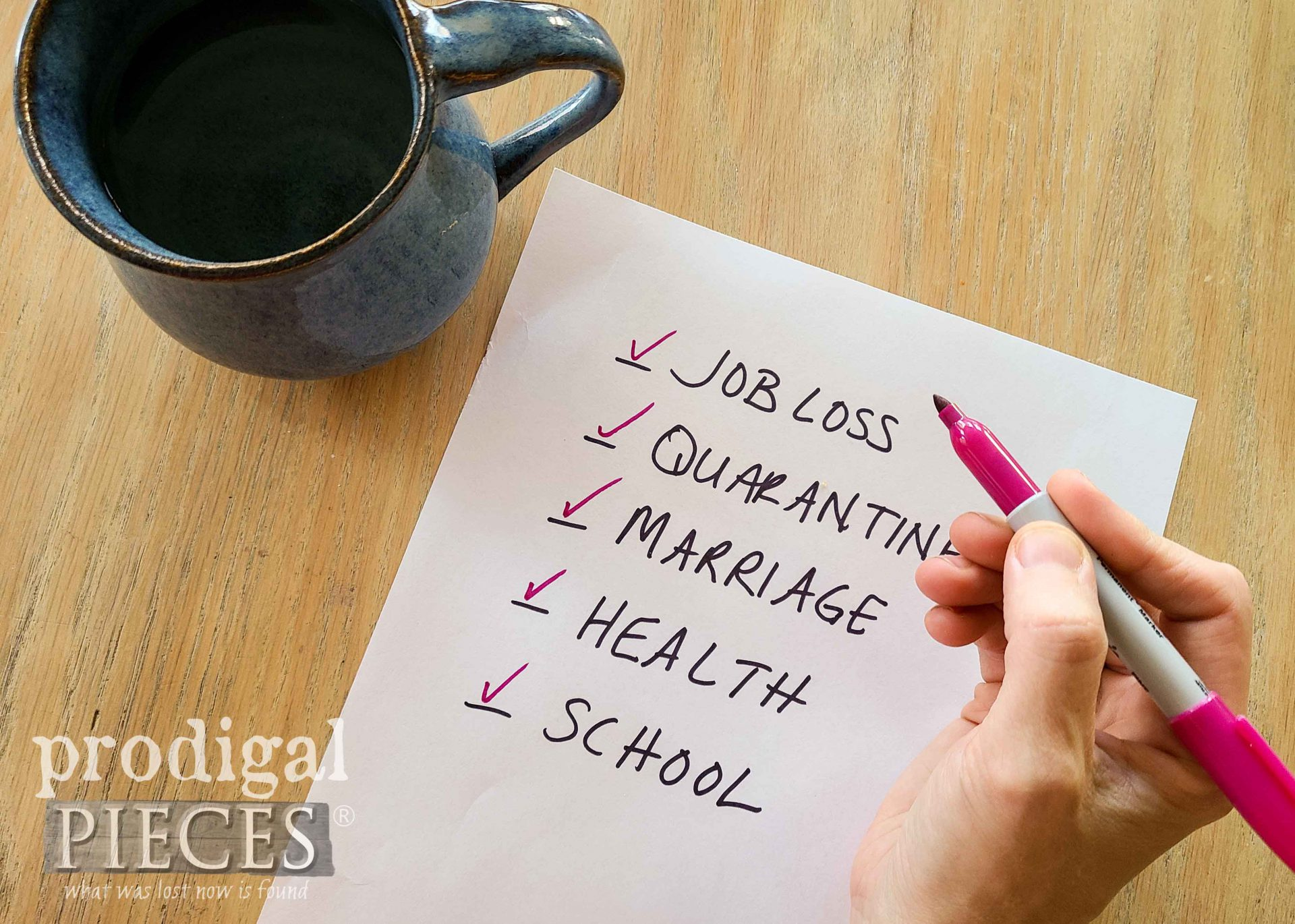 Daily Stress List to Ponder | 5 Ways to Find Thankfulness by Larissa of Prodigal Pieces | prodigalpieces.com #prodigalpieces