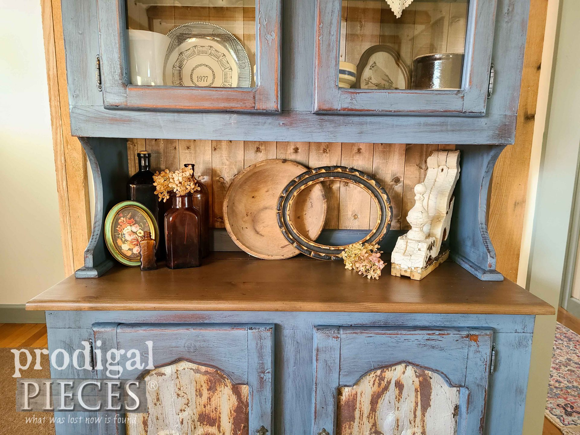 Farmhouse Pine Hutch with Salvaged Style by Larissa of Prodigal Pieces | prodigalpieces.com #prodigalpieces #furniture #homedecor #farmhouse #vintage
