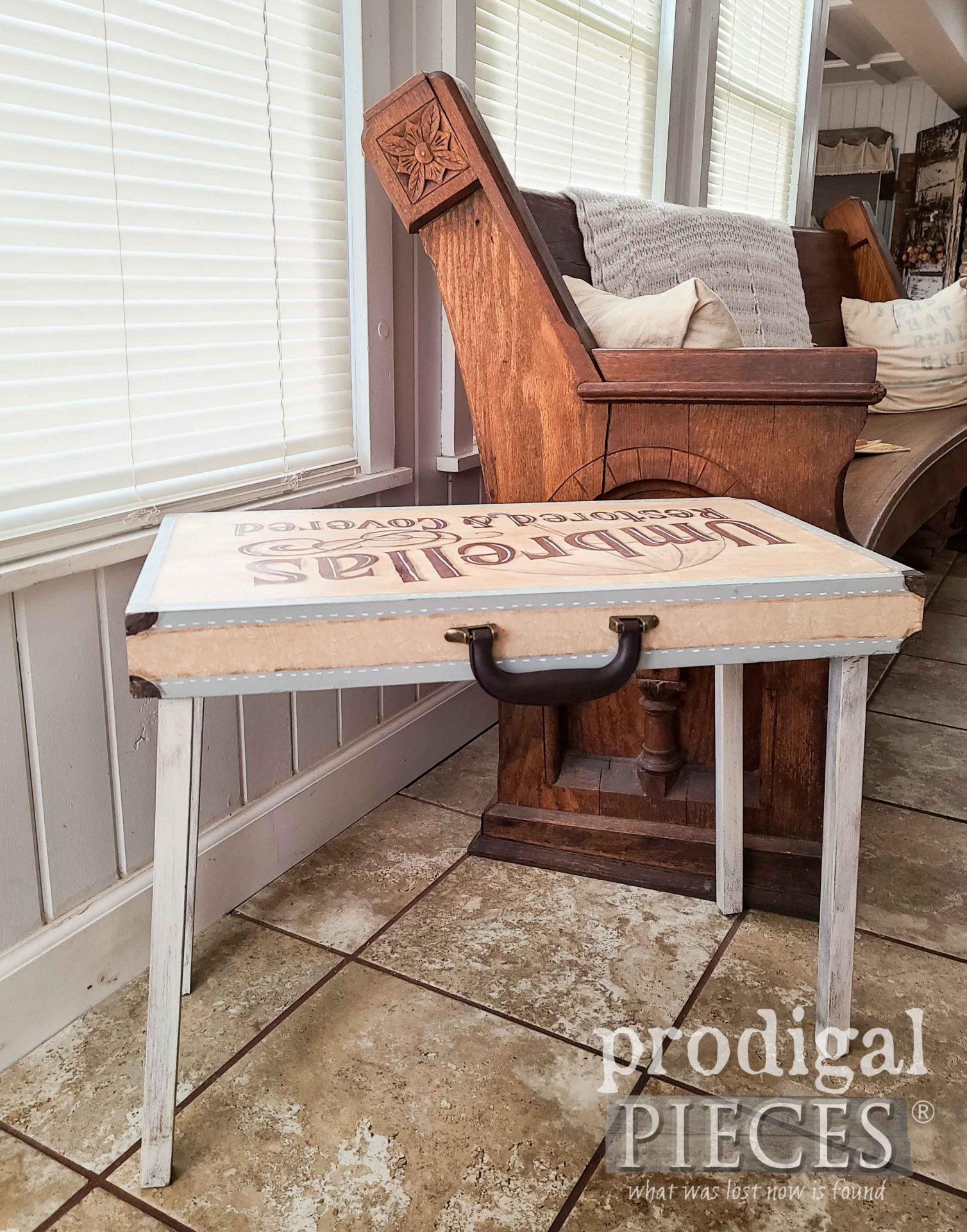 Farmhouse Style Folding Table with Typography by Larissa of Prodigal Pieces | prodigalpieces.com #prodigalpieces #diy #home #furniture #farmhouse #vintage