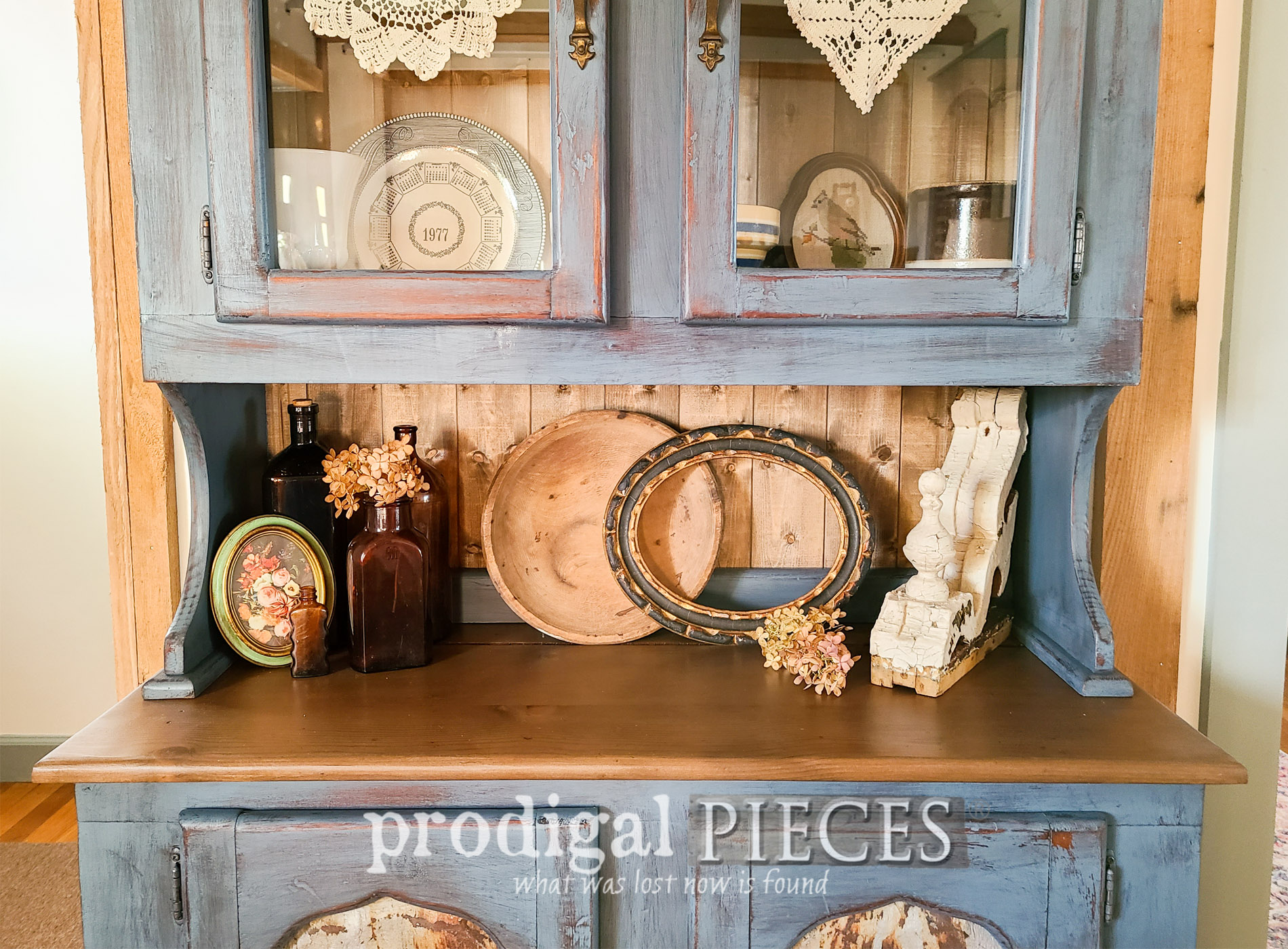 Featured Painted Pine Hutch by Larissa of Prodigal Pieces | prodigalpieces.com #prodigalpieces #furniture #home #farmhouse #homedecor #diy