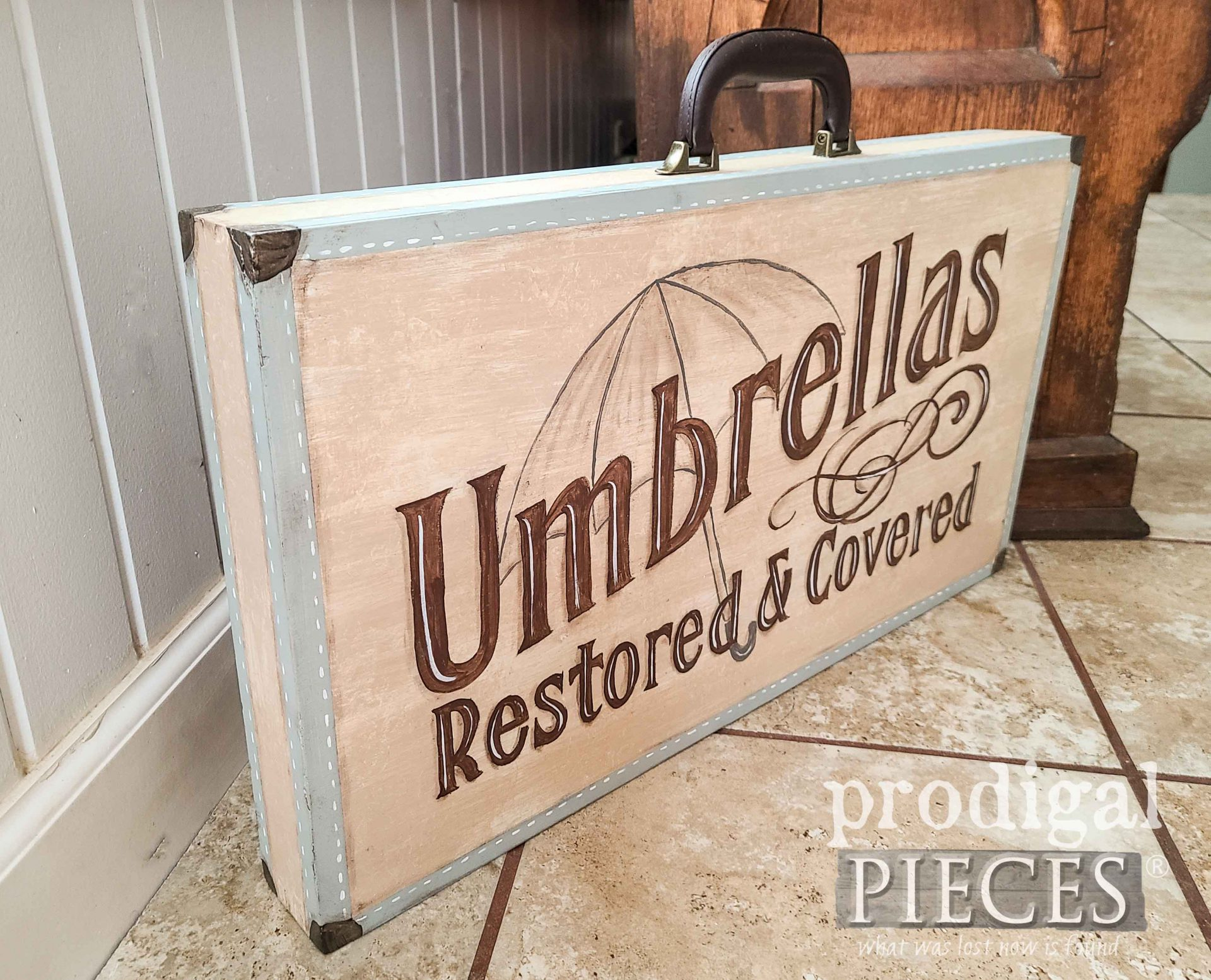 Hand-Painted Folding Table with Typography by Larissa of Prodigal Pieces | prodigalpieces.com #prodigalpieces #handmade #furniture #home #farmhouse #homedecor