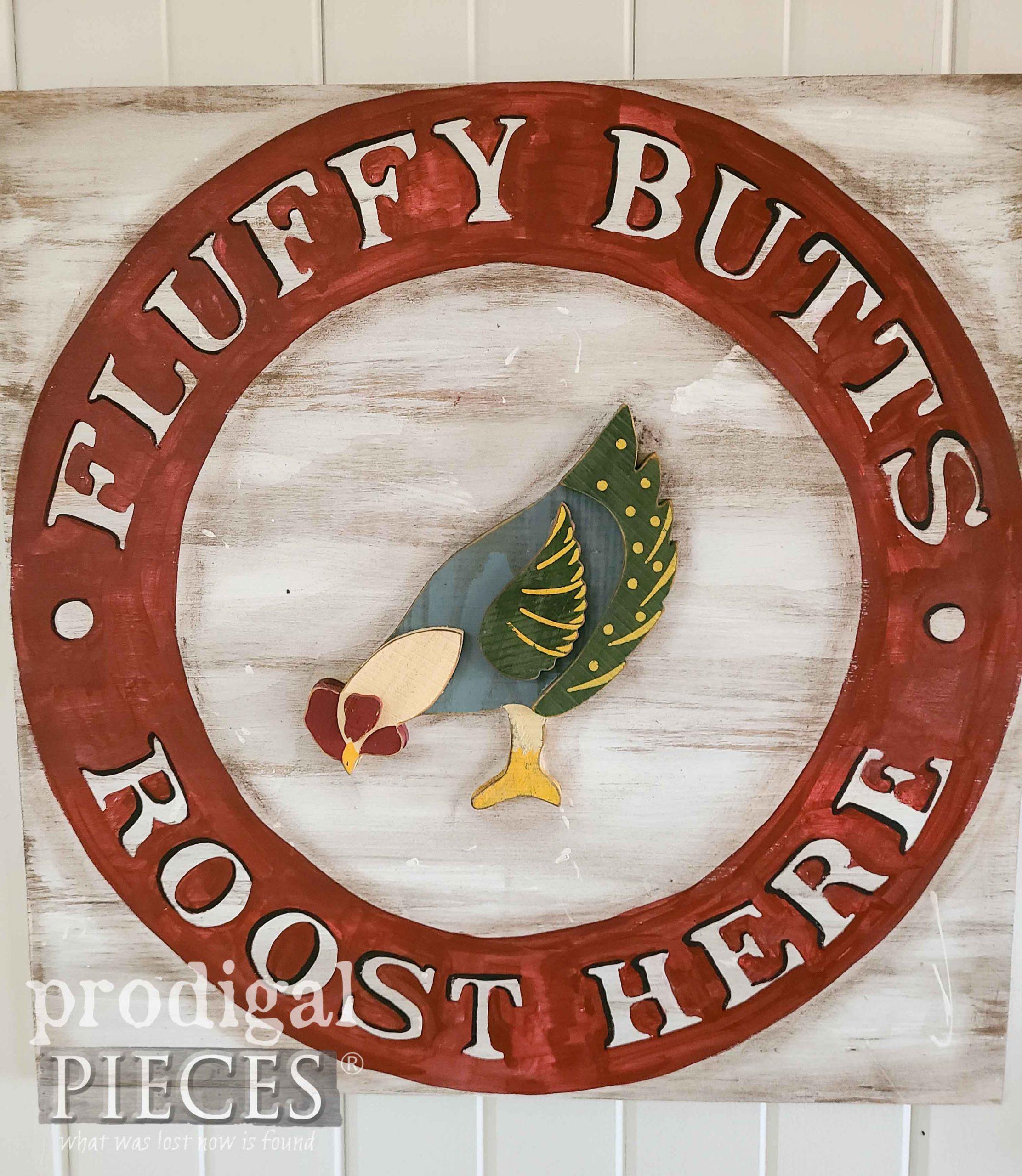 Handmade Chicken Sign for Farmhouse Decor Handmade by Prodigal Pieces | prodigalpieces.com #prodigalpieces #farmhouse #home #diy #homedecor
