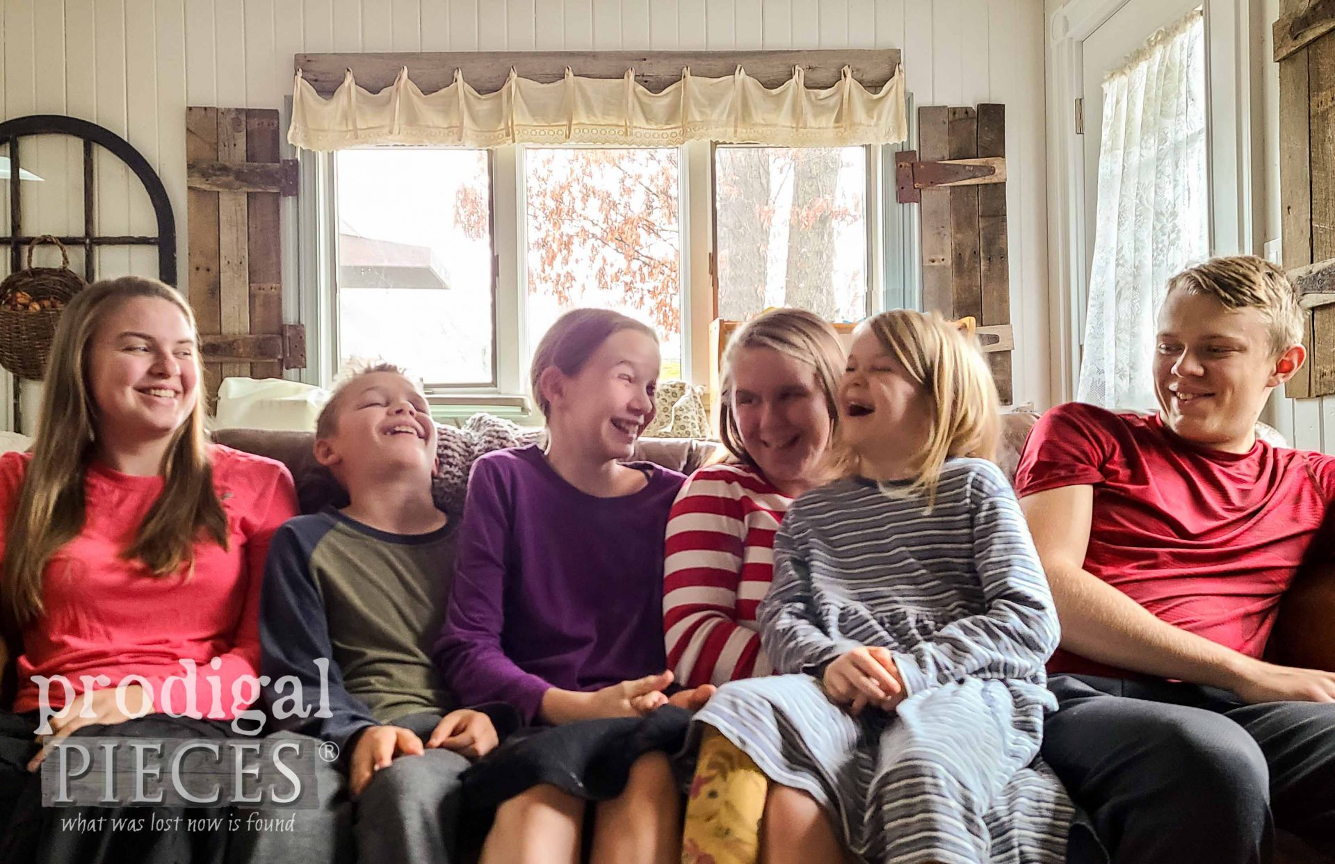 Kids Laughing with Thankfulness and Making Memories | Prodigal Pieces | prodigalpieces.com #prodigalpieces
