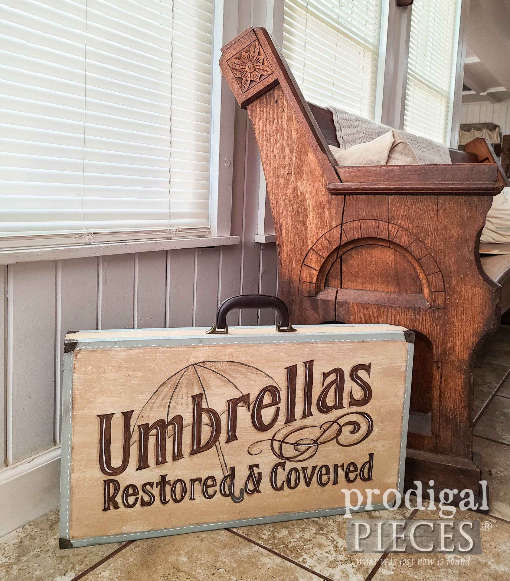 Hand-Painted Vintage Umbrella Folding Table by Larissa of Prodigal Pieces | prodigalpieces.com #prodigalpieces #diy #furniture #home #homedecor #vintage