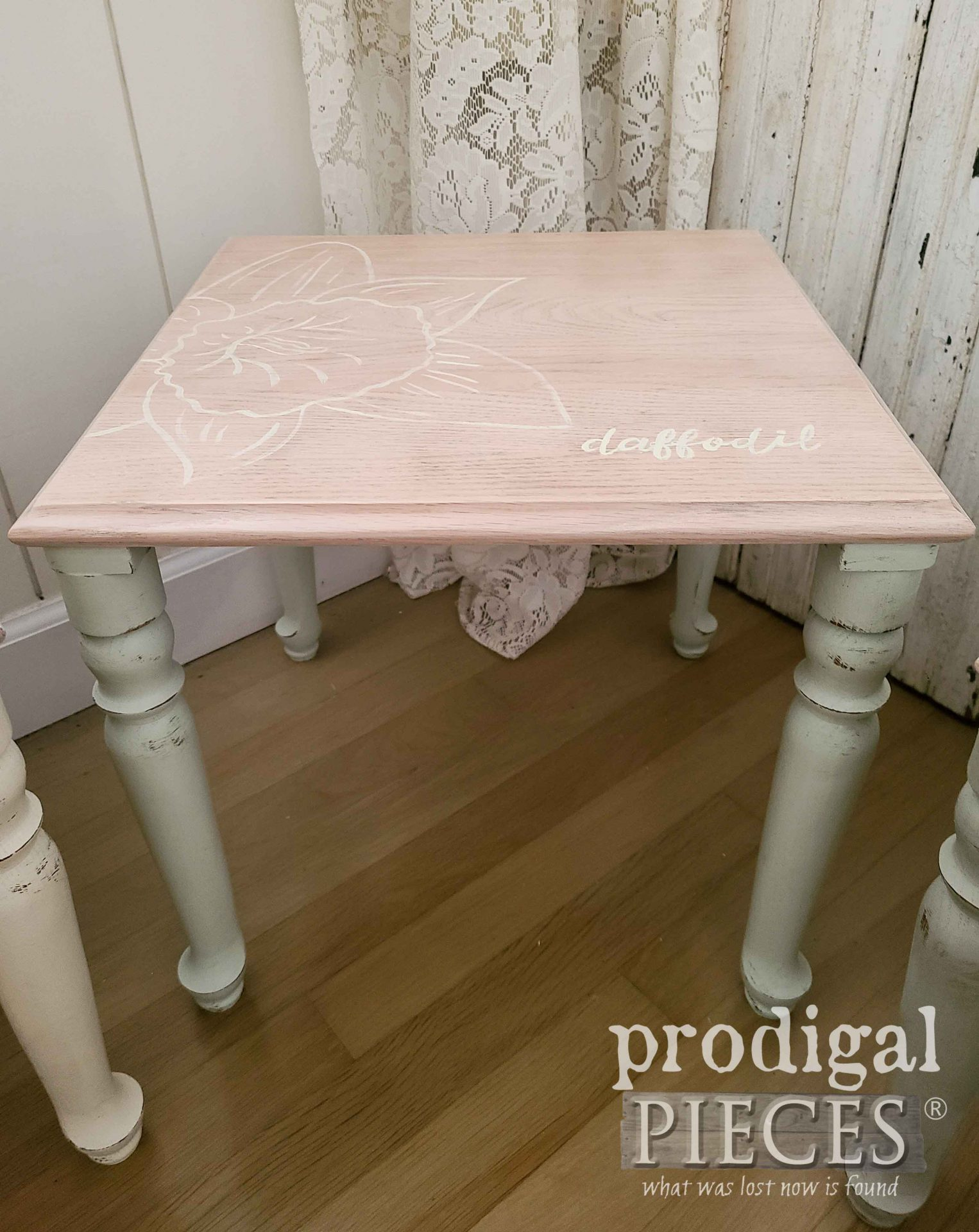 Soft Green Daffodil Stacking Table | prodigalpieces.com #prodigalpieces #furniture #handmade #home