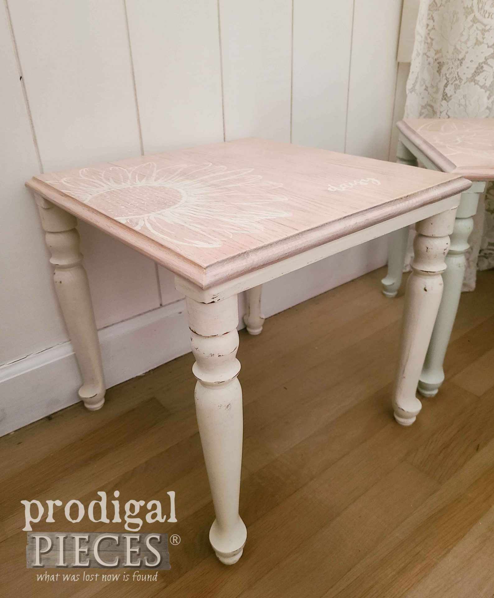 Daisy Flower on White Stacking Table | prodigalpieces.com #prodigalpieces #furniture